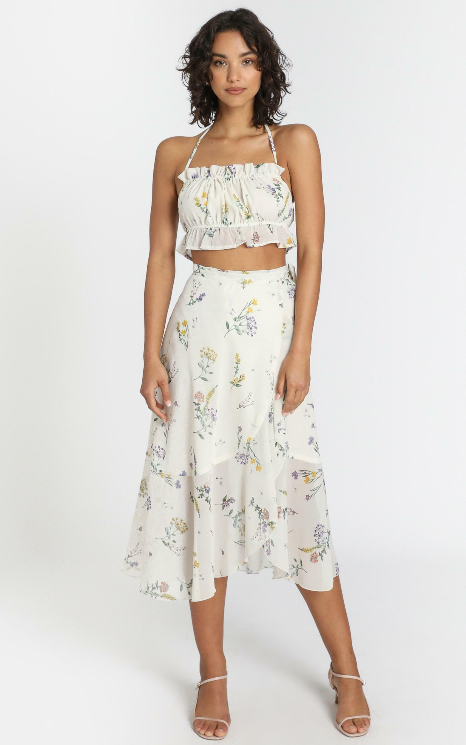 Add To The Mix Skirt in Botanical Floral - 04, CRE1, hi-res image number null