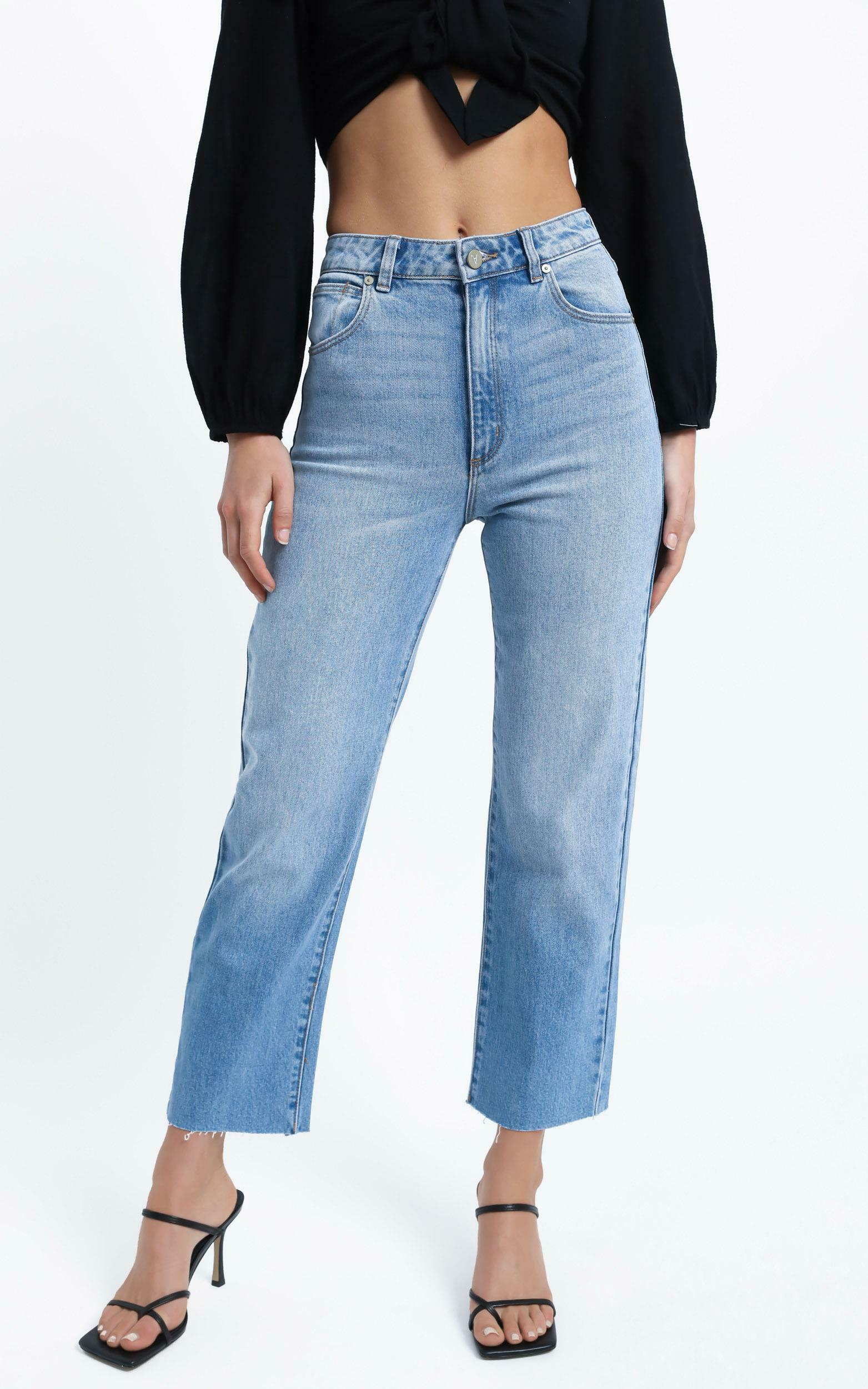 Abrand - A Venice Straight Jean in Alicia - 6 (XS), Blue, hi-res image number null