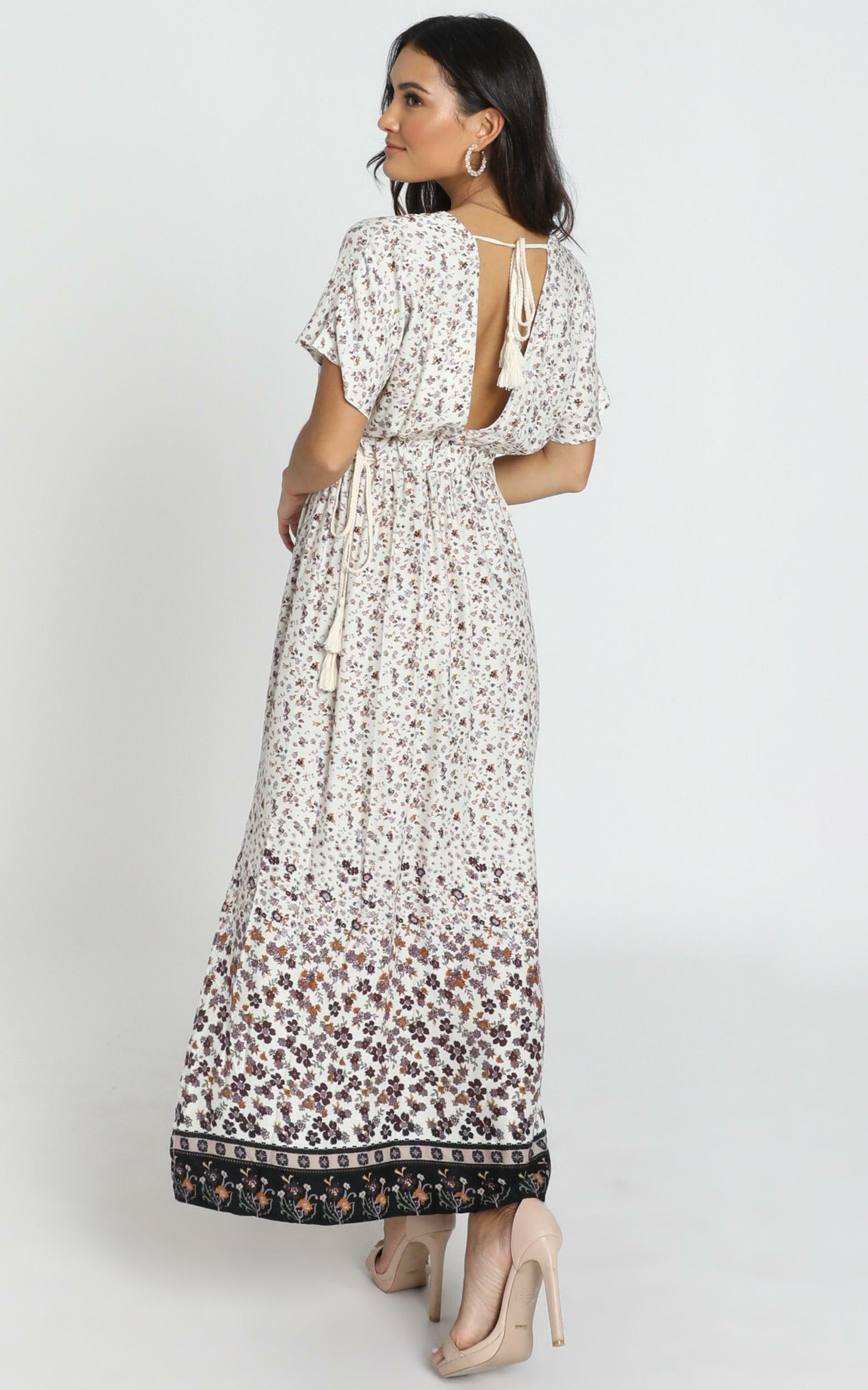 Mallory V-Neck Dress in cream floral - 6 (XS), Cream, hi-res image number null
