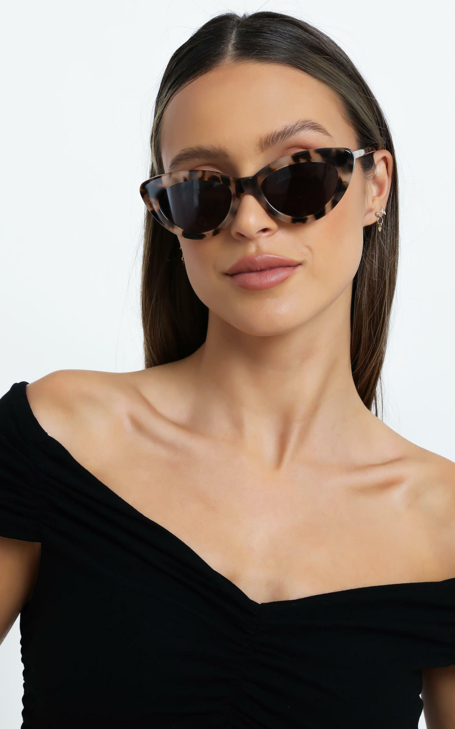 Luv Lou - The Harley Sunglasses in Cream Tort, CRE1, hi-res image number null