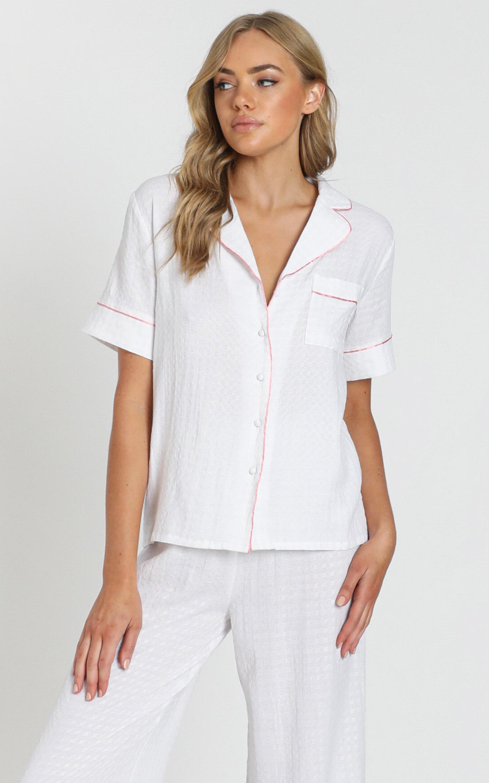 Sleeping in Pyjama Top In White Gingham - 20 (XXXXL), White, hi-res image number null