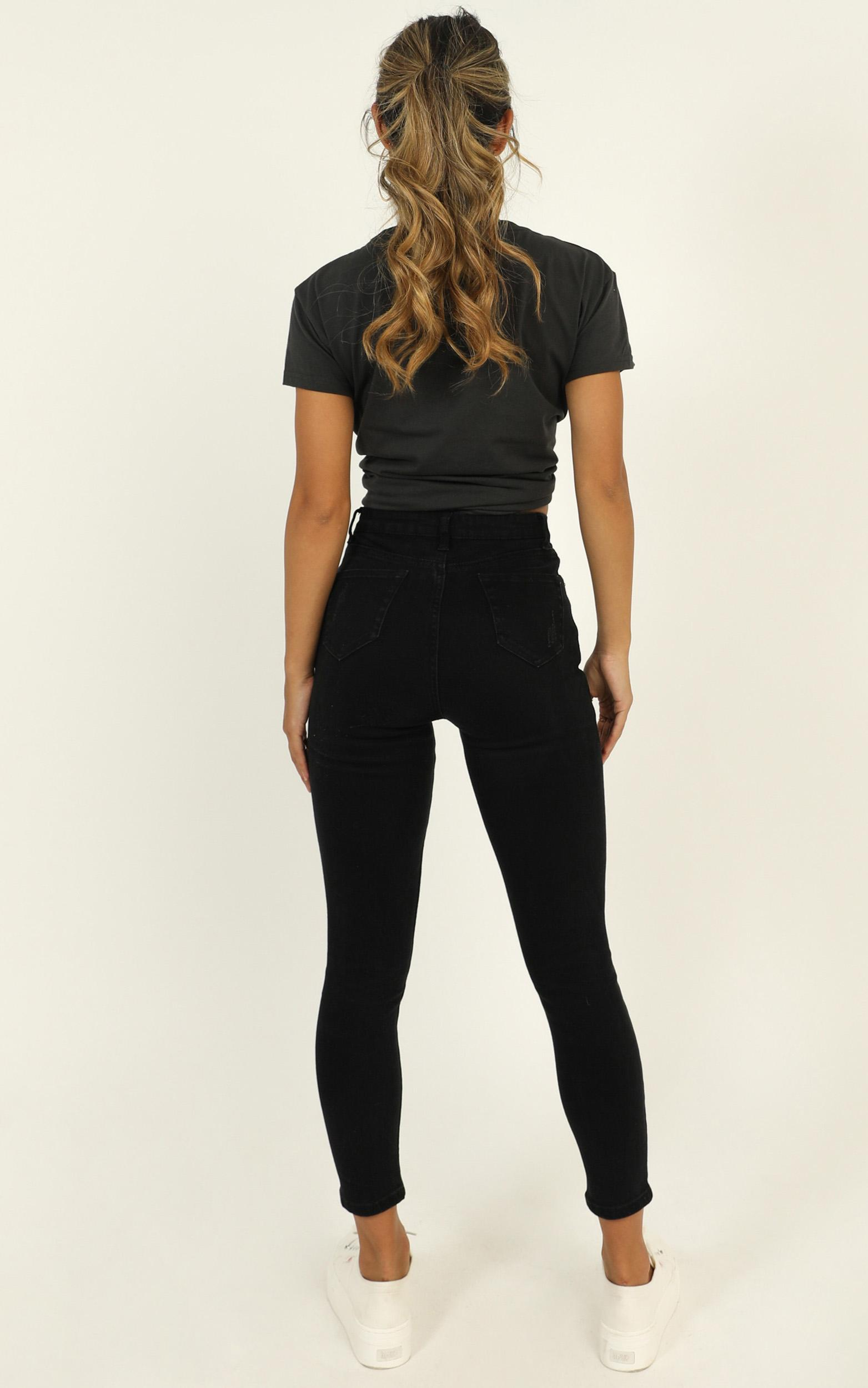 Tammy Skinny Jeans in Black Denim - 6 (XS), Black, hi-res image number null