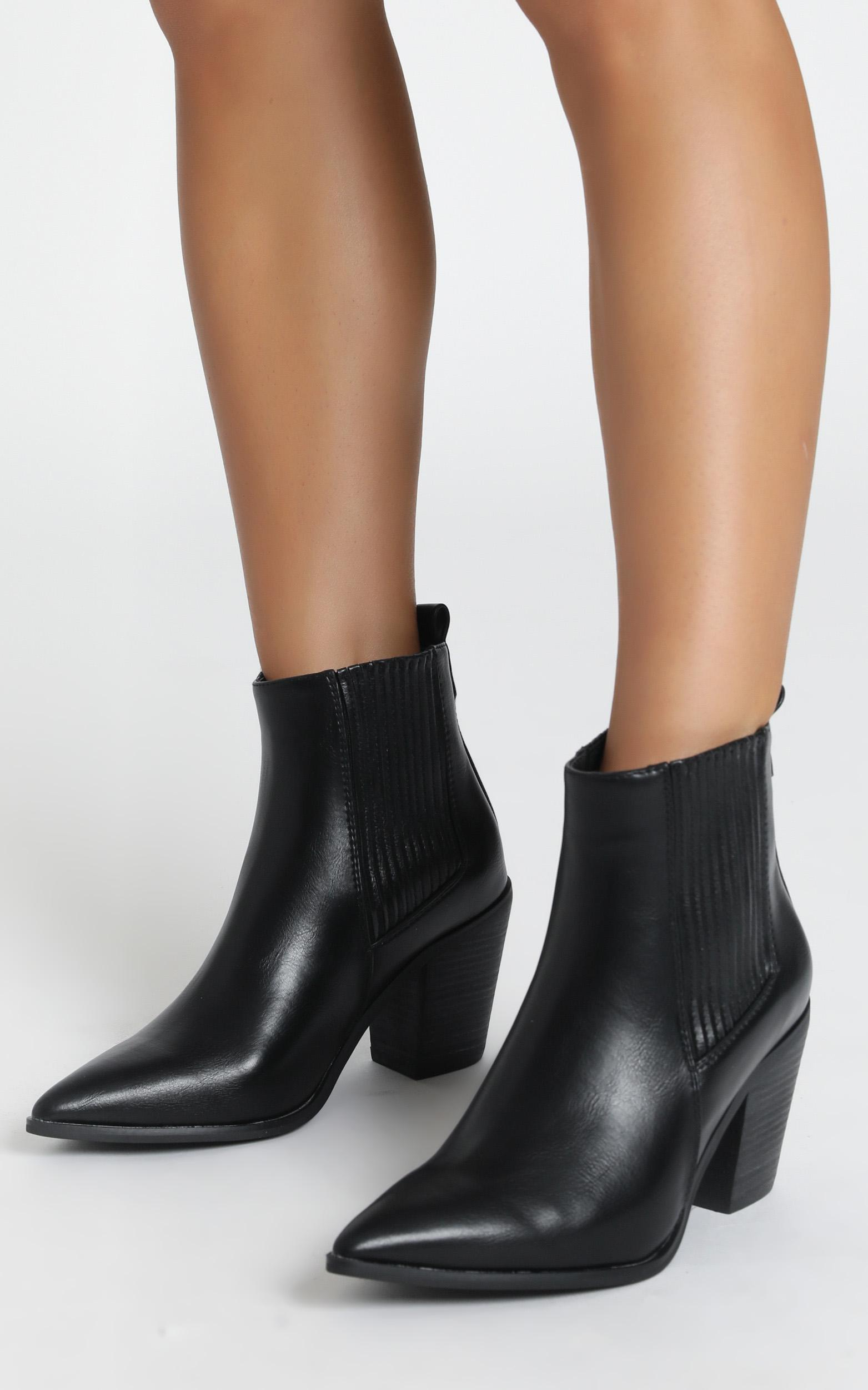 Therapy - Winnie boots in black - 10, Black, hi-res image number null