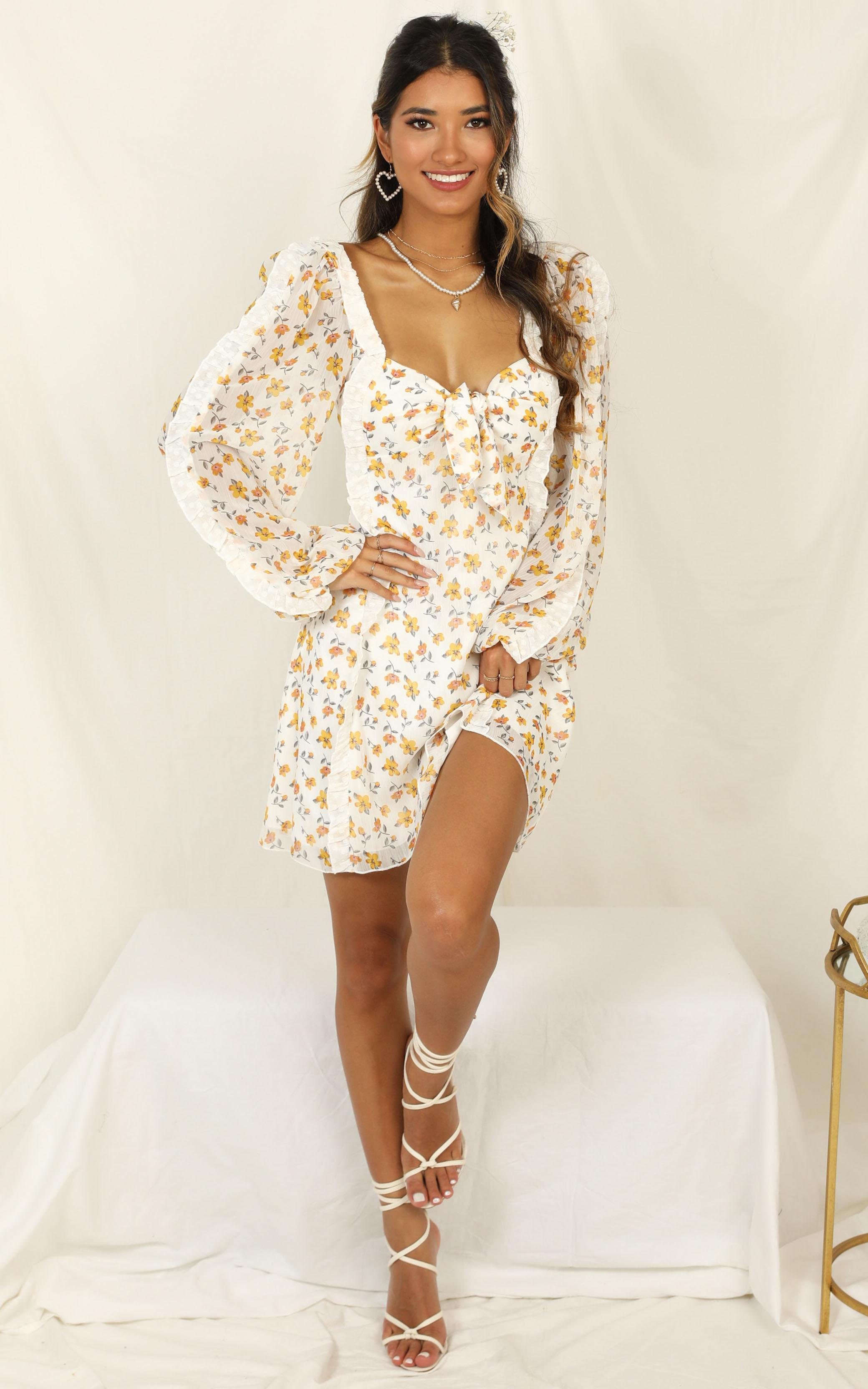 Loves On My Mind Dress in white floral - 20 (XXXXL), White, hi-res image number null