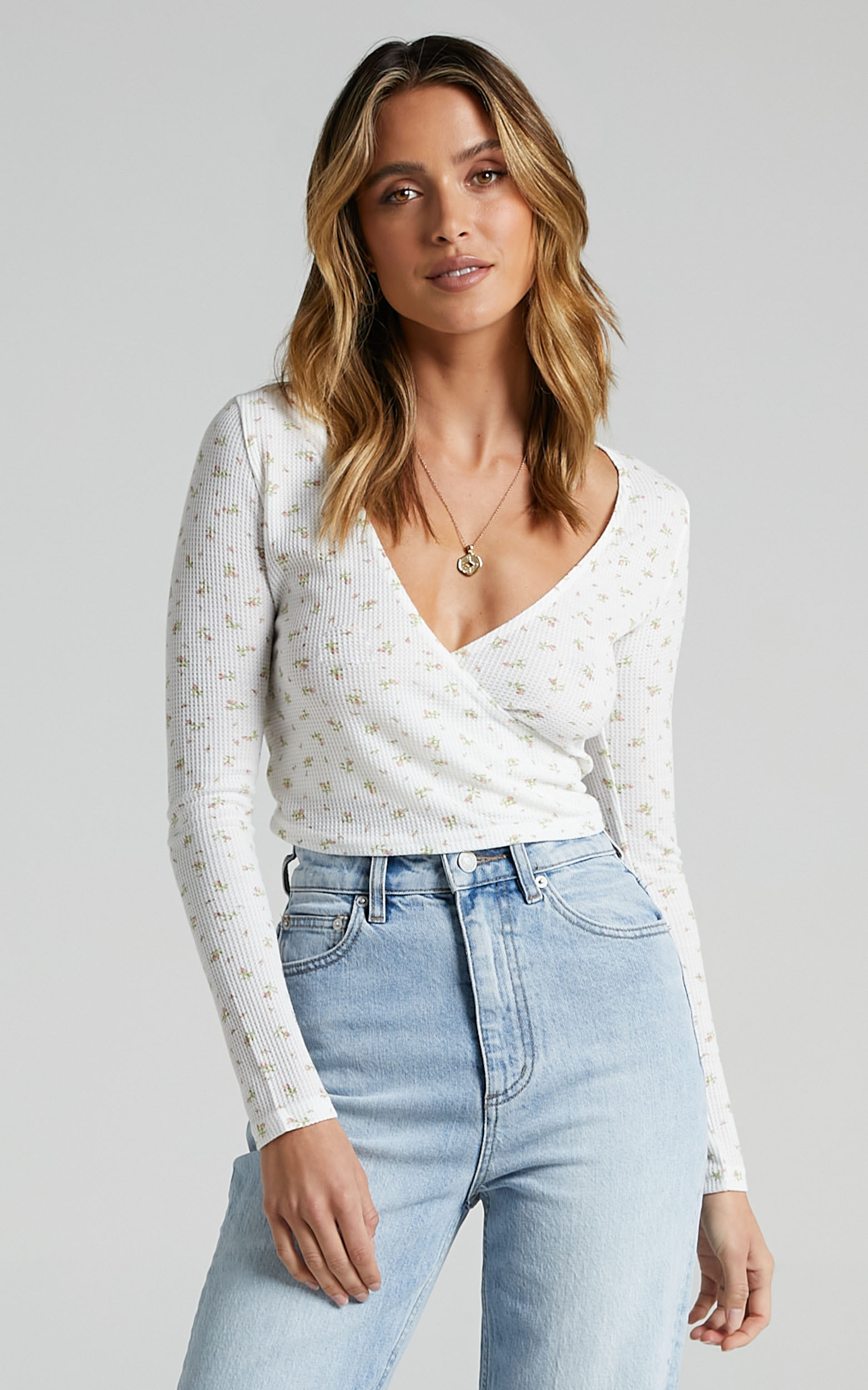 Piea Top in White Floral - 08, WHT1, hi-res image number null