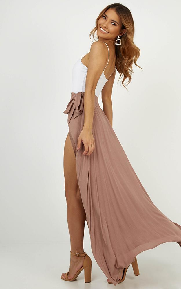 Break A Leg maxi skirt in mocha - 6 (XS), Neutral, hi-res image number null
