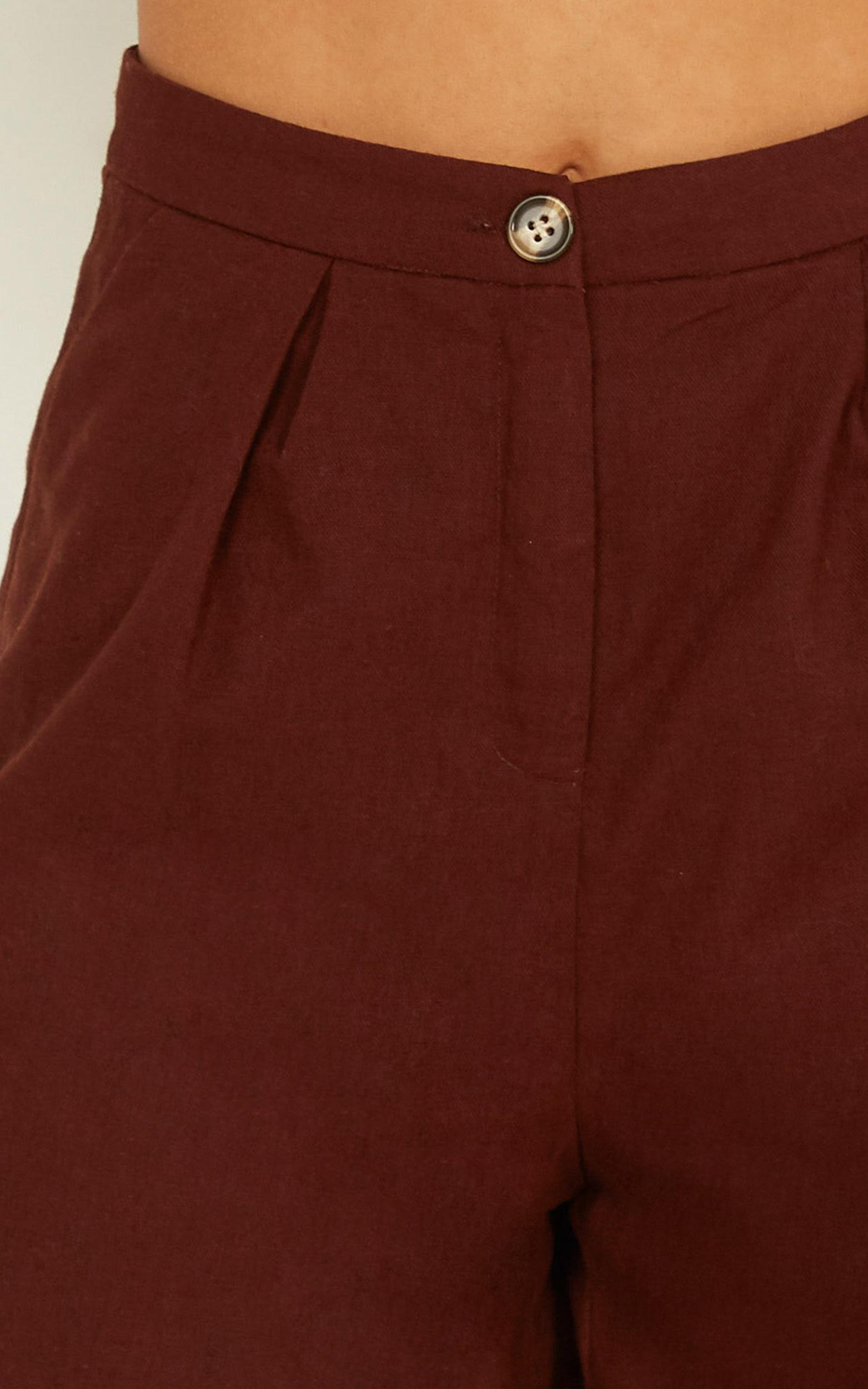 Trip to Bermuda Shorts in chocolate linen look - 18 (XXXL), Brown, hi-res image number null