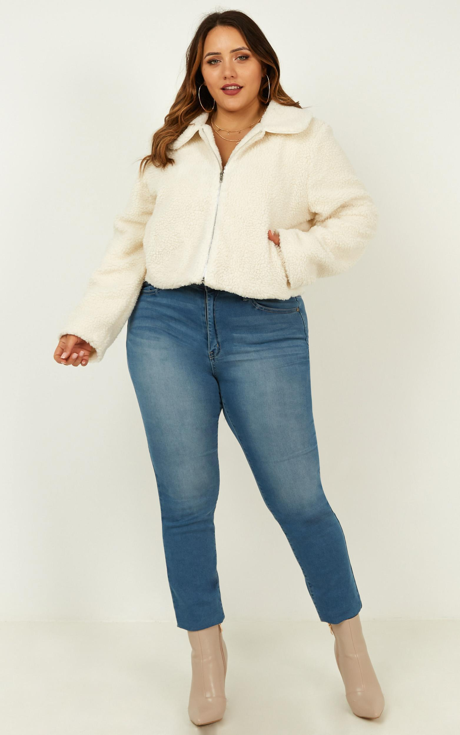 Forever Cuddling Jacket In Cream Teddy - 20 (XXXXL), Cream, hi-res image number null