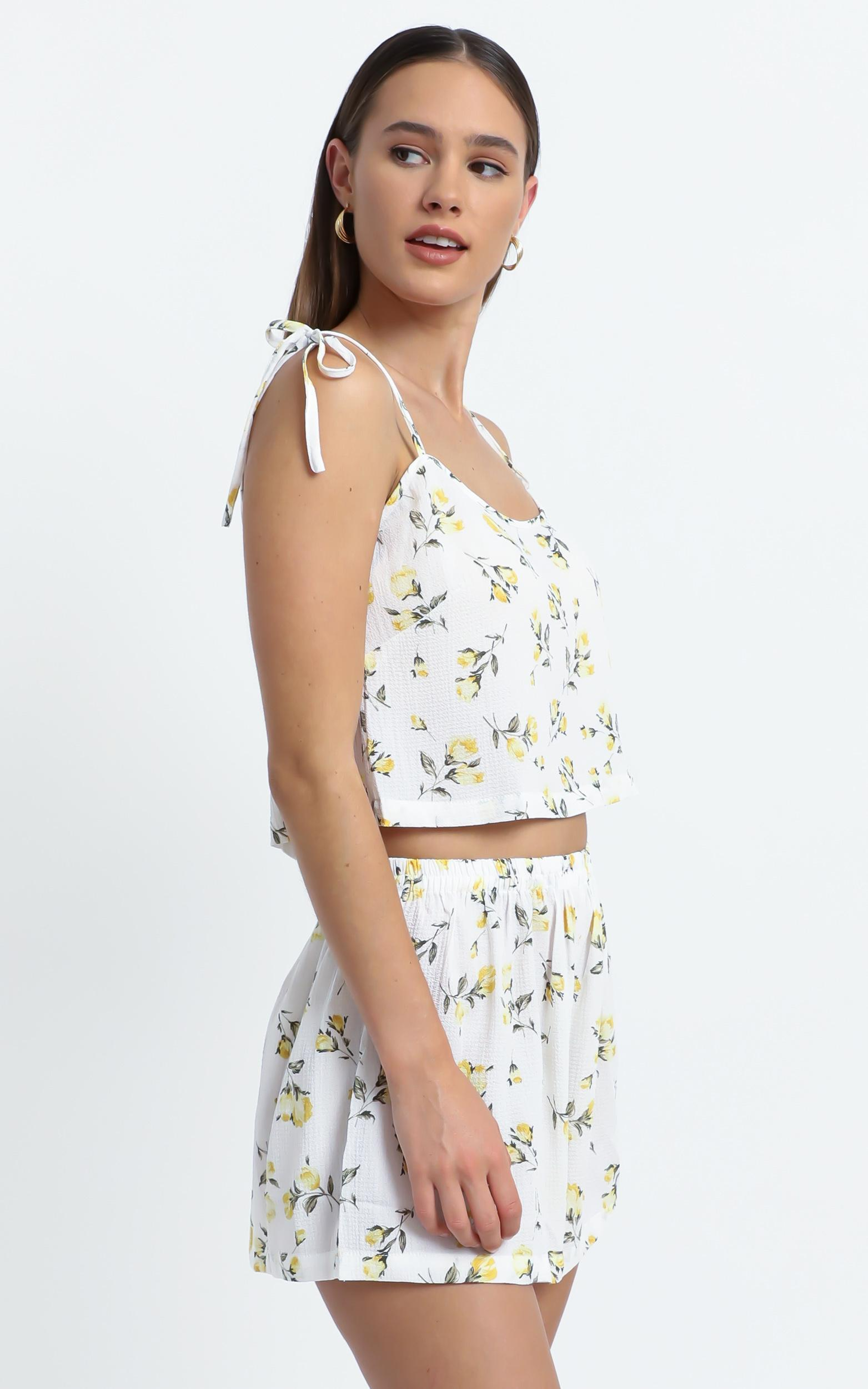 Dakota Two Piece Set in White Floral - 6 (XS), White, hi-res image number null