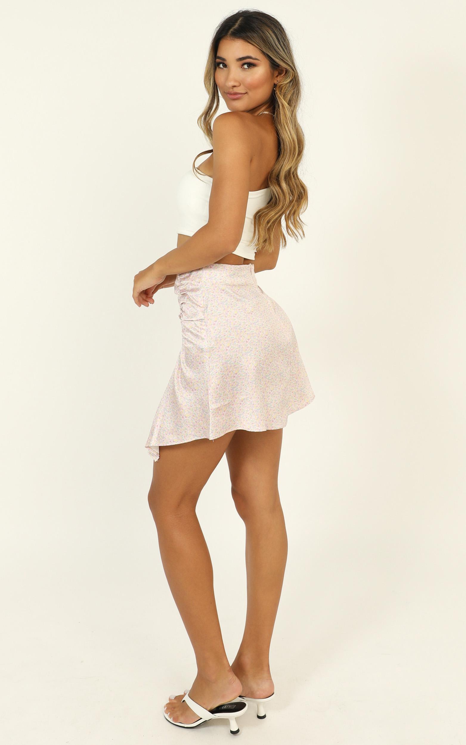 Look Back skirt in pink floral - 12 (L), Pink, hi-res image number null