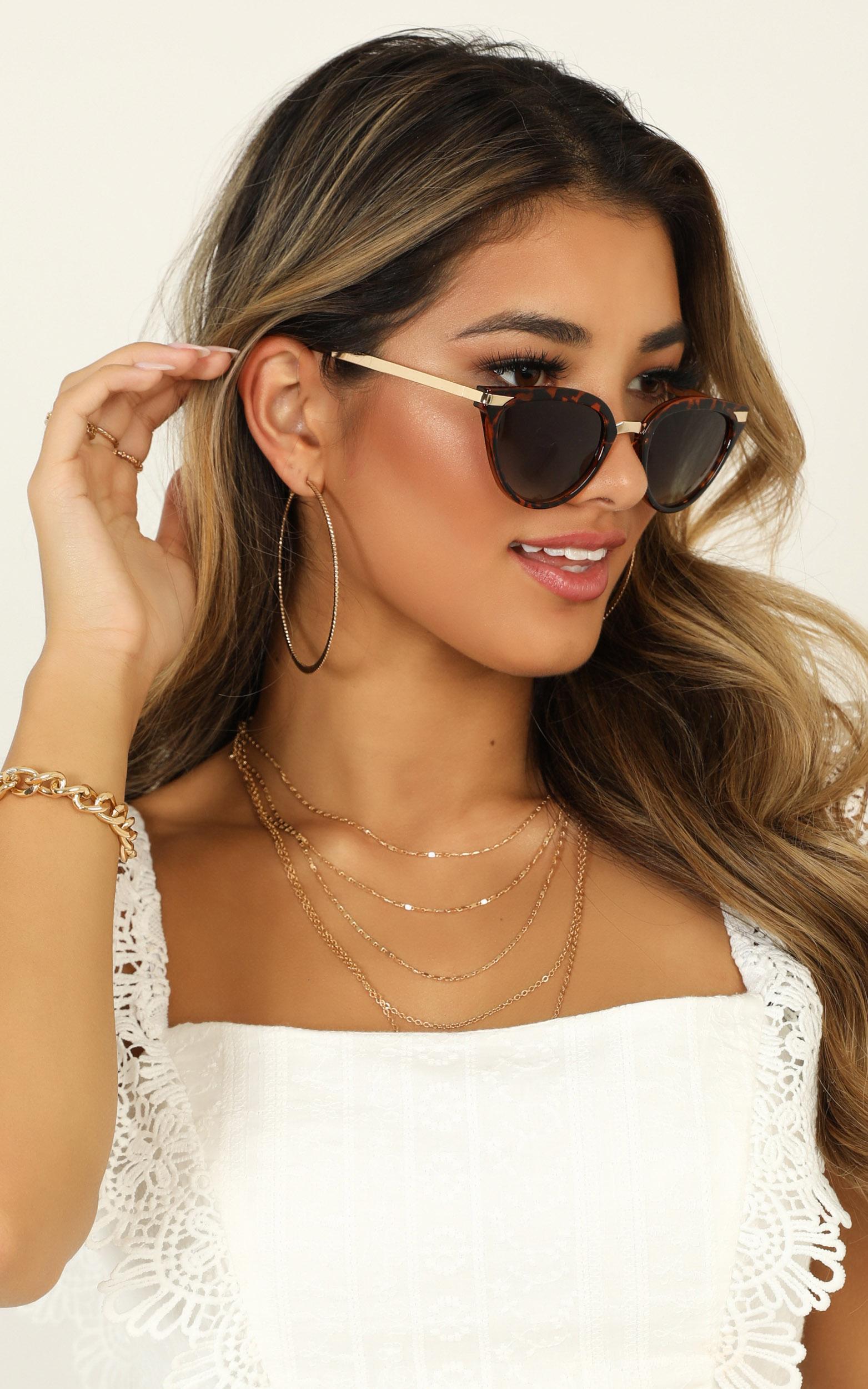 MinkPink - Getaway Sunglasses In Tort, , hi-res image number null