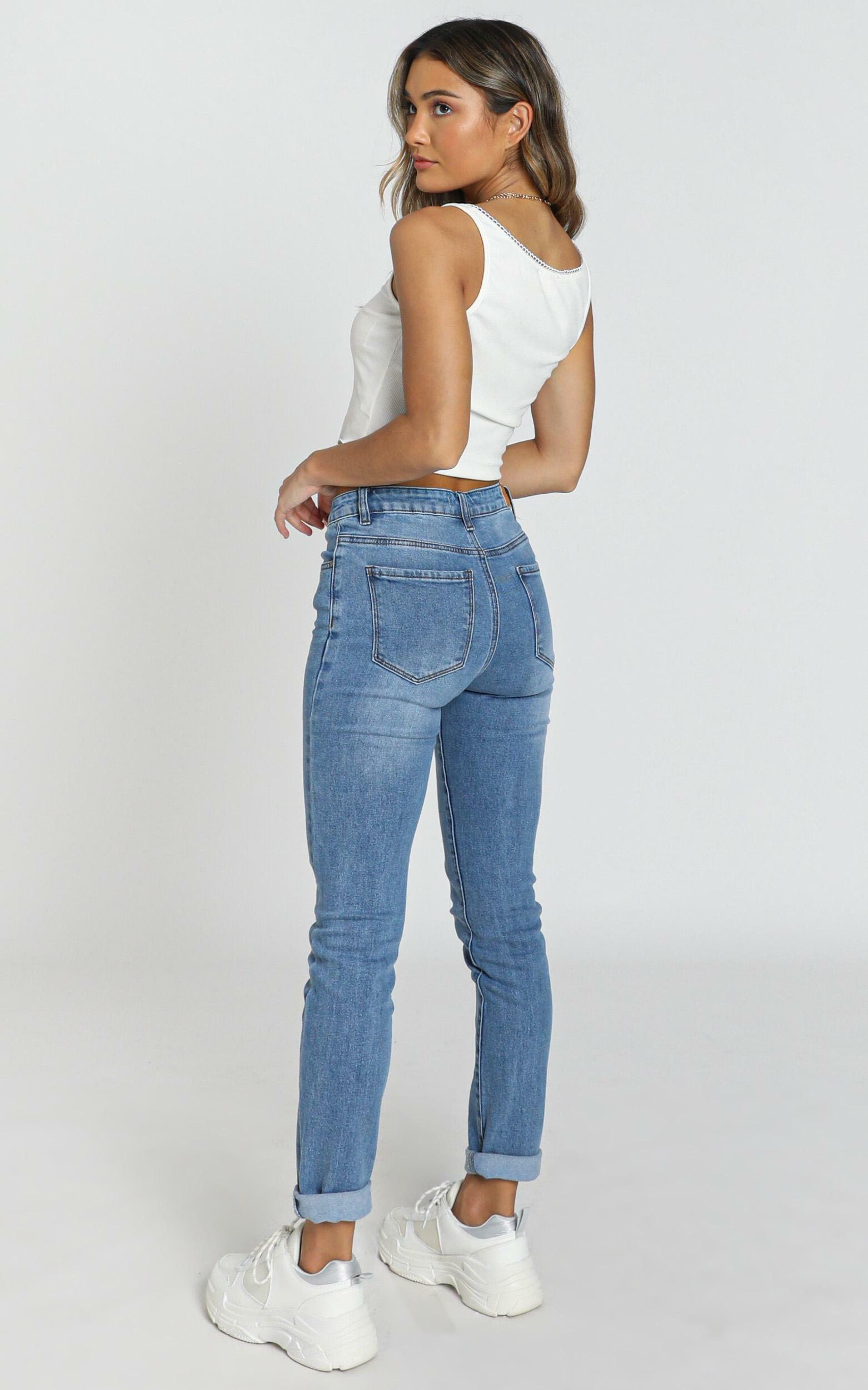 Fabia Jeans in mid wash - 6 (XS), Blue, hi-res image number null