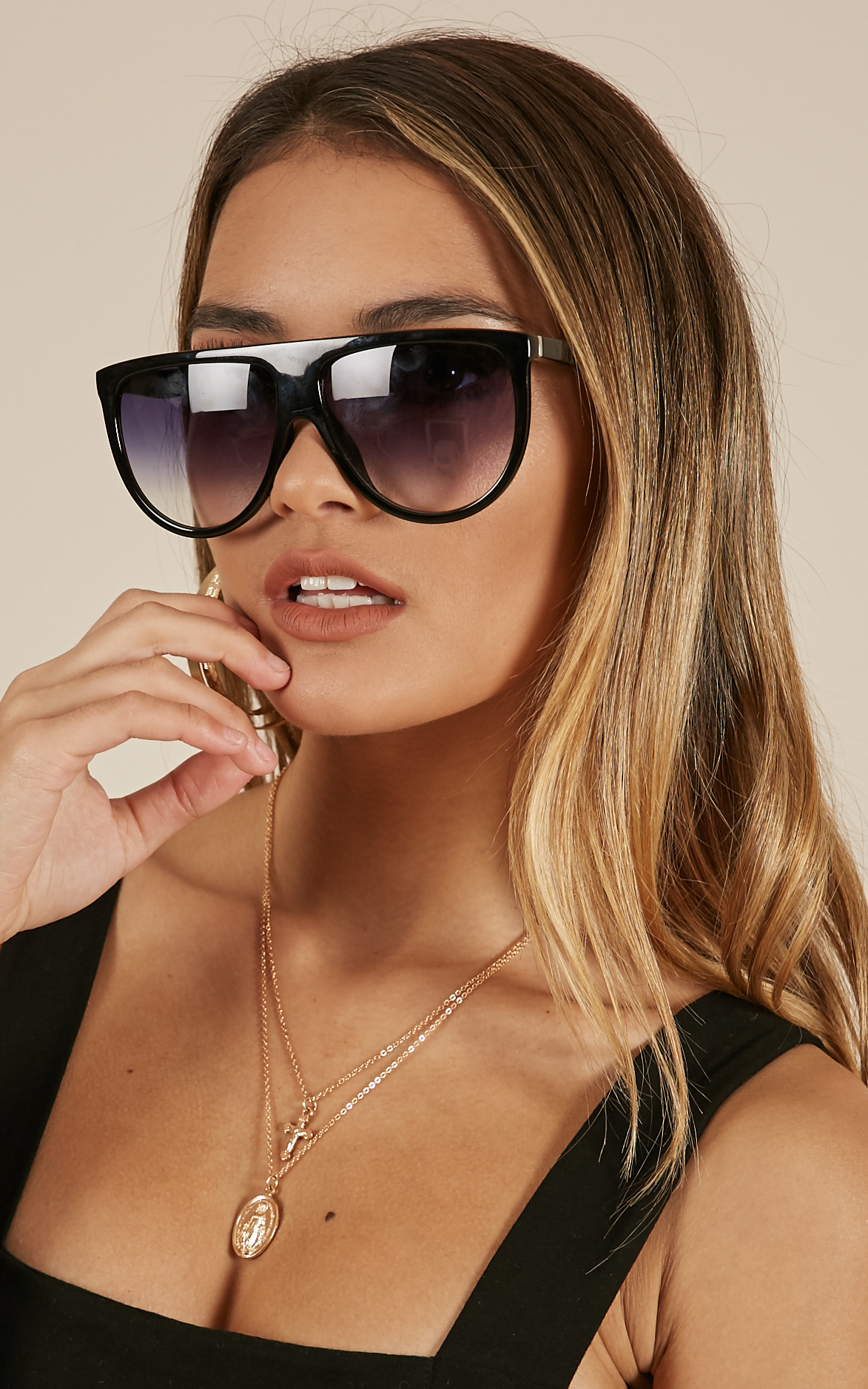 Run Away With Me sunglasses in black, , hi-res image number null