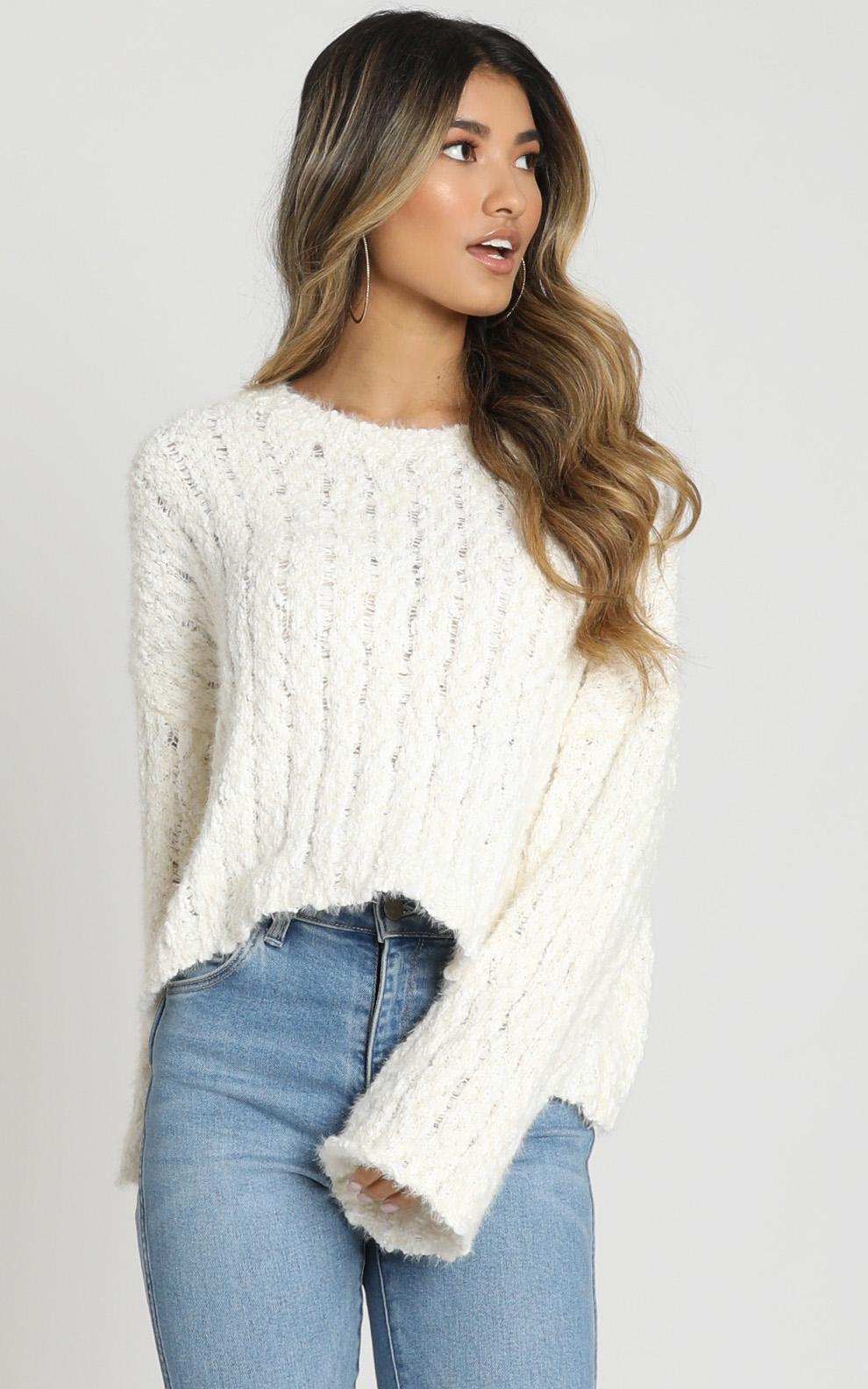Bethen Fluffy Knit in ivory - M/L, White, hi-res image number null