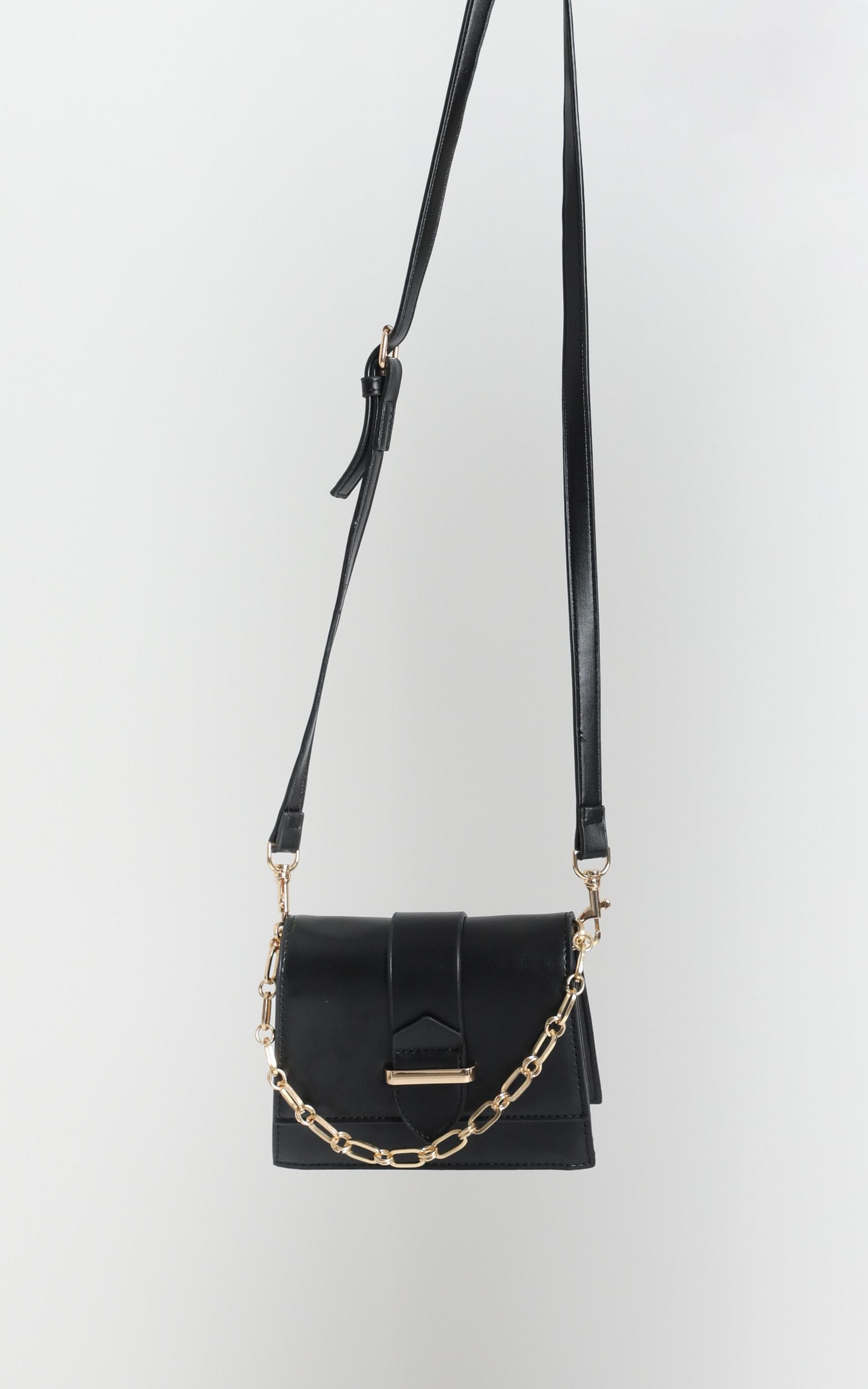 Evening Party Chain Sling Bag In Black And Gold, , hi-res image number null