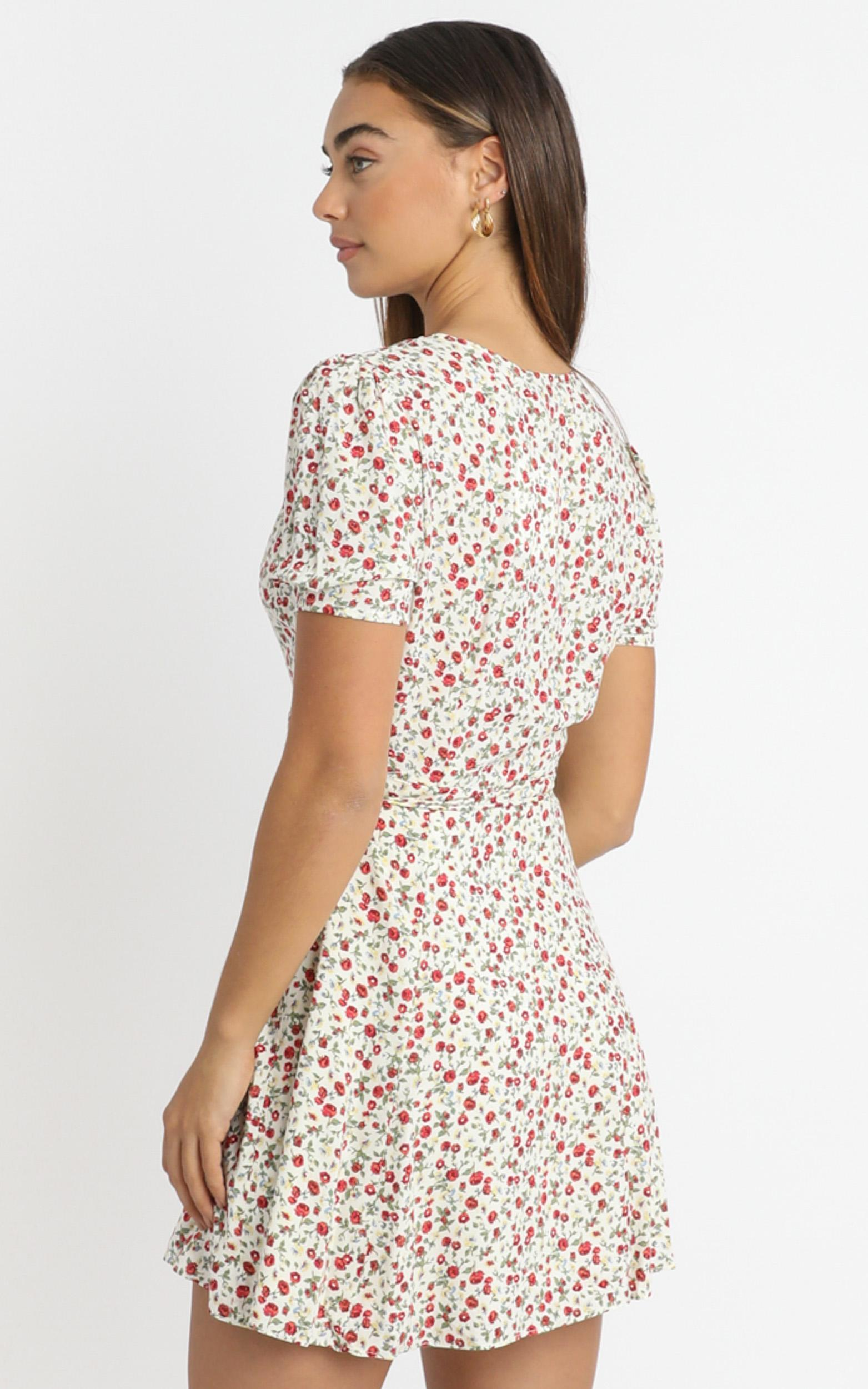 Aida Dress in White Floral - 6 (XS), White, hi-res image number null