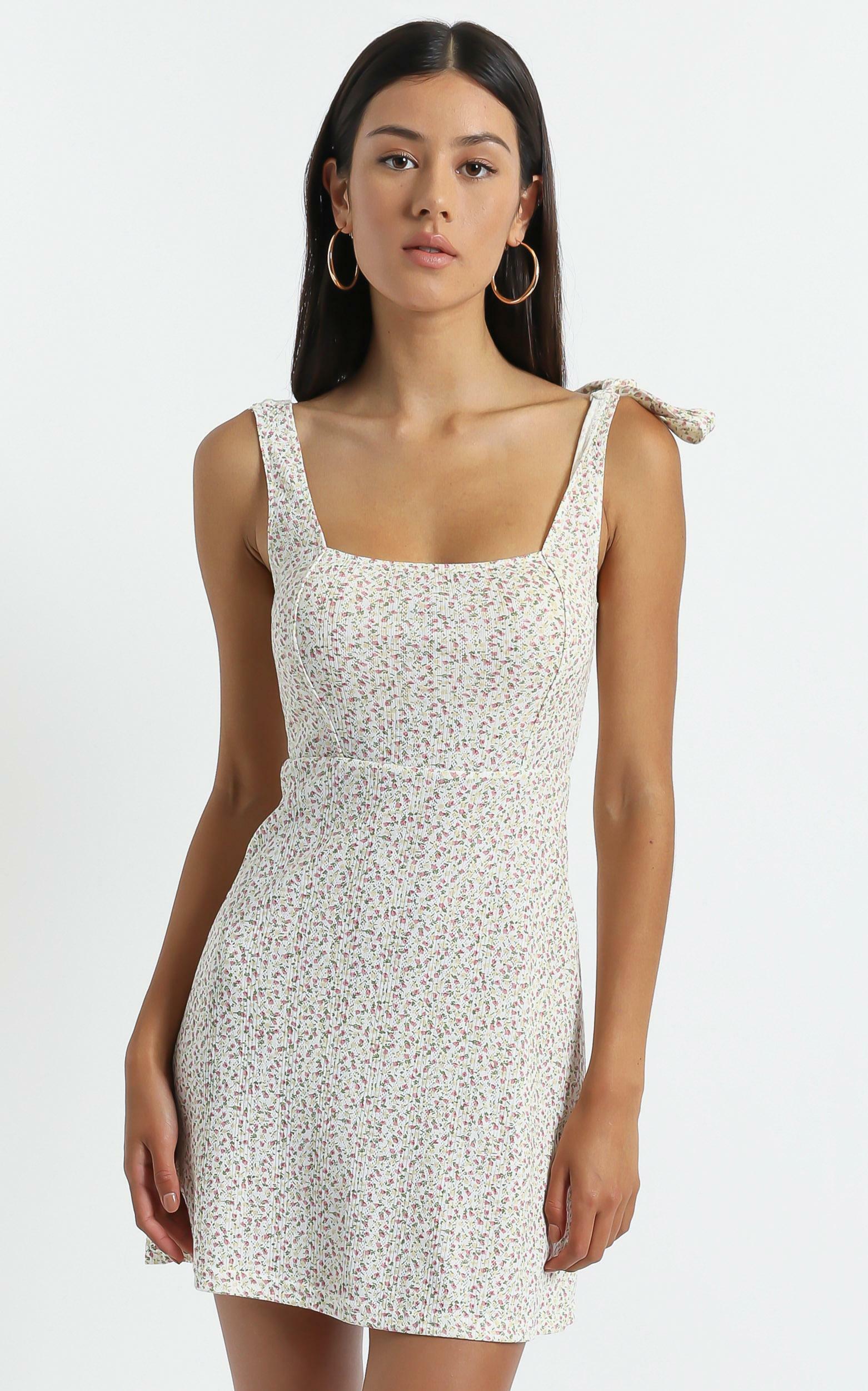Sadira Dress in White Floral - 06, WHT2, hi-res image number null