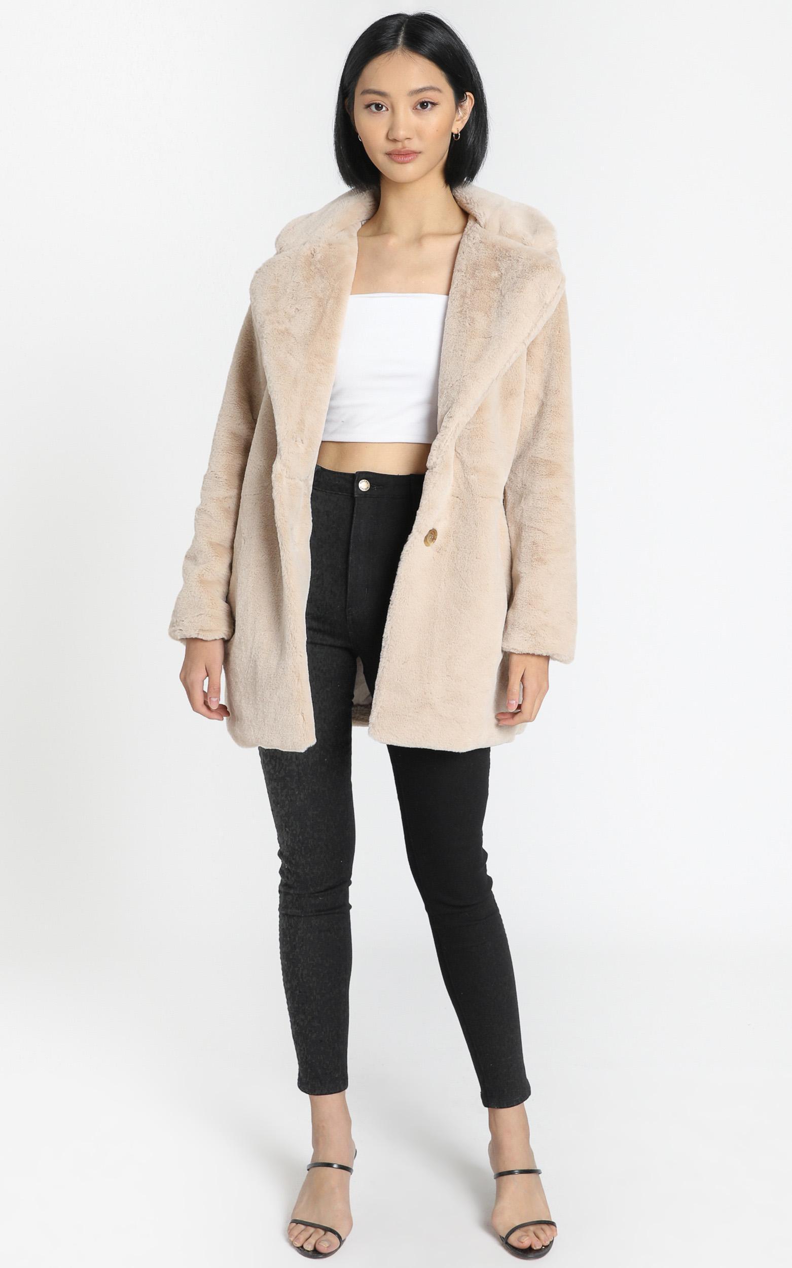 Noah Faux Fur Coat in Beige - 8 (S), Beige, hi-res image number null