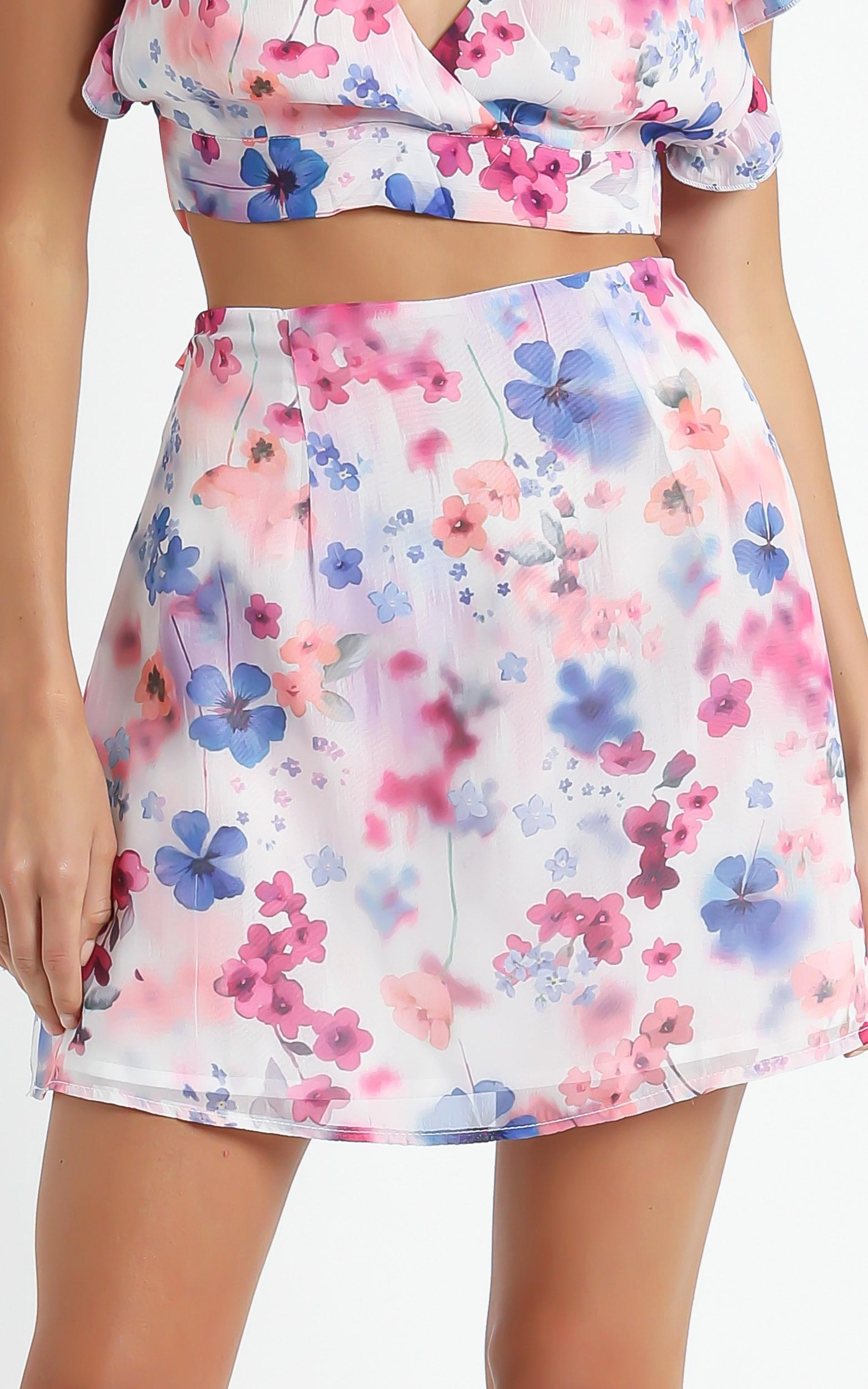 Only Offer Skirt in Blur Floral - 4 (XXS), Multi, hi-res image number null