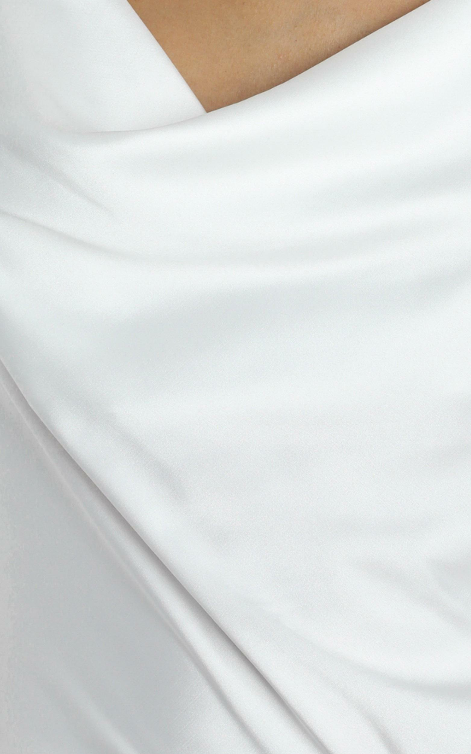 Straight Line Top in white - 4 (XXS), White, hi-res image number null