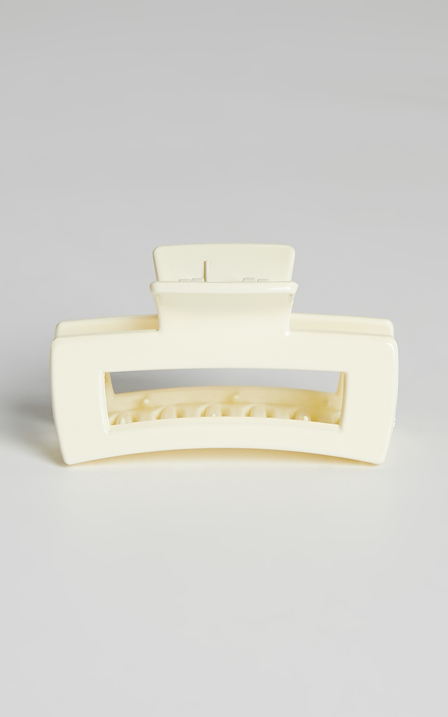 Torres Hair Clip in Cream - NoSize, CRE3, hi-res image number null