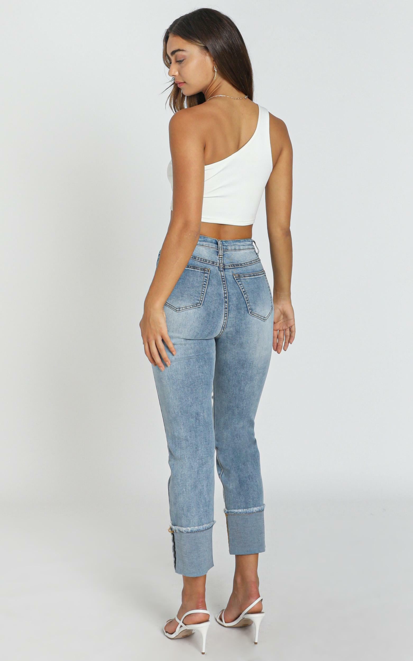 Eva Jeans In mid blue wash denim - 20 (XXXXL), Blue, hi-res image number null
