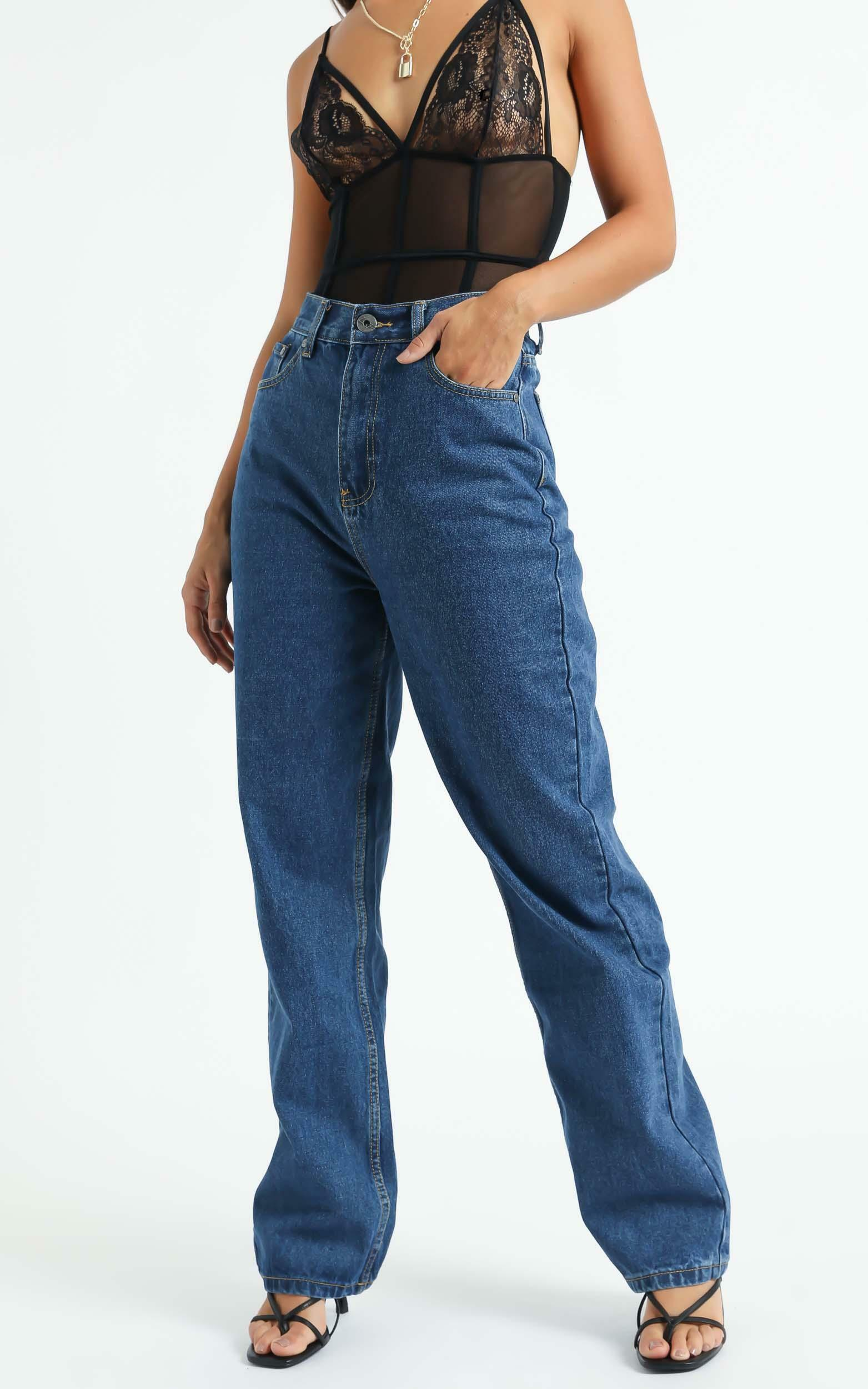 Arielle Straight Leg Jeans in Indigo - 6 (XS), BLU2, hi-res image number null