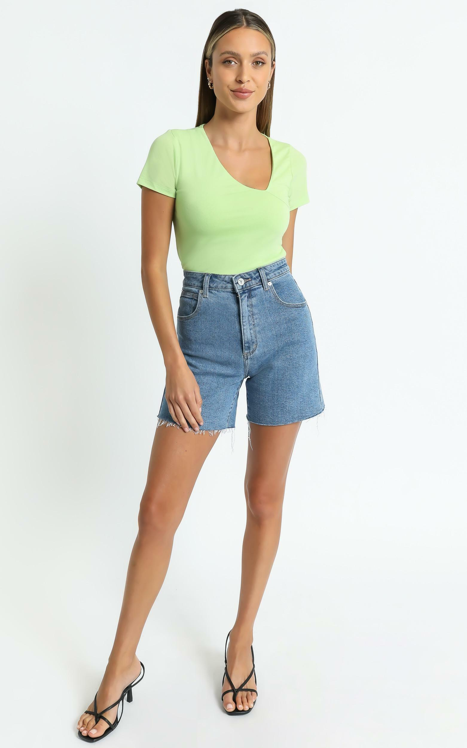 Jordy Tee in Green - 6 (XS), GRN1, hi-res image number null