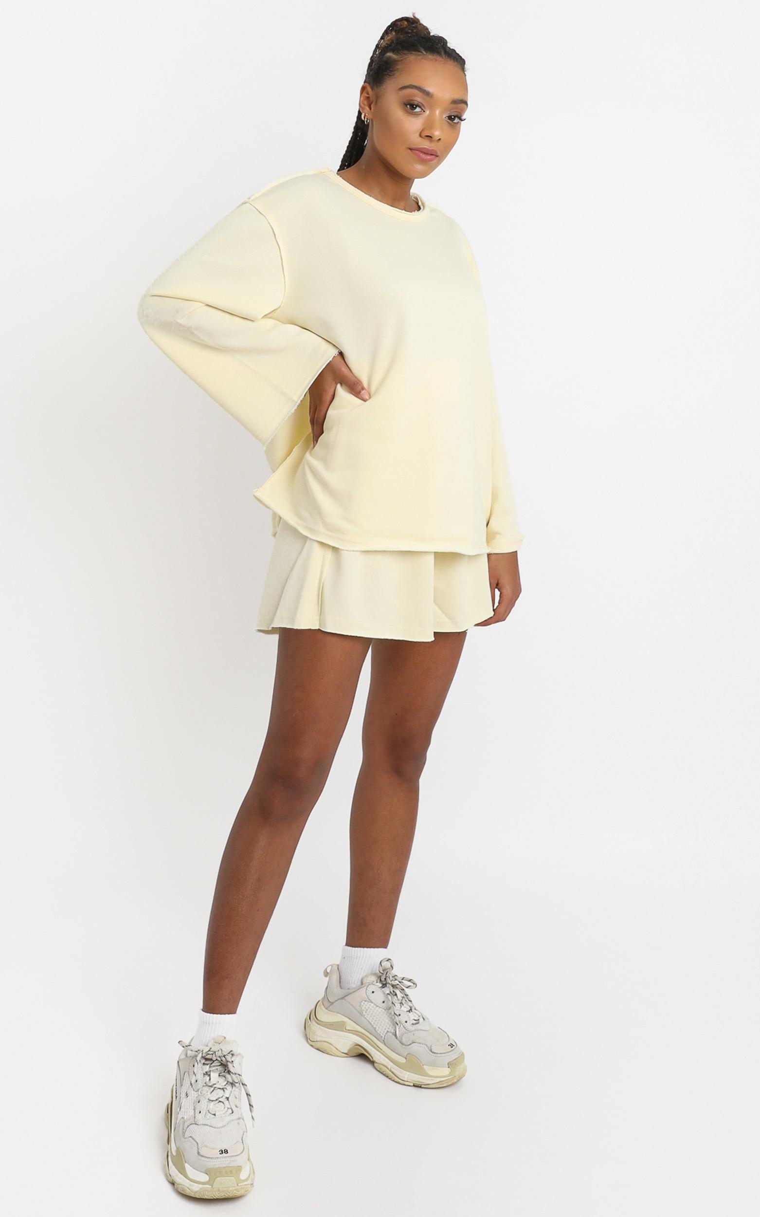 Long Lost Sweatshirt in Pastel Yellow - 6 (XS), Yellow, hi-res image number null