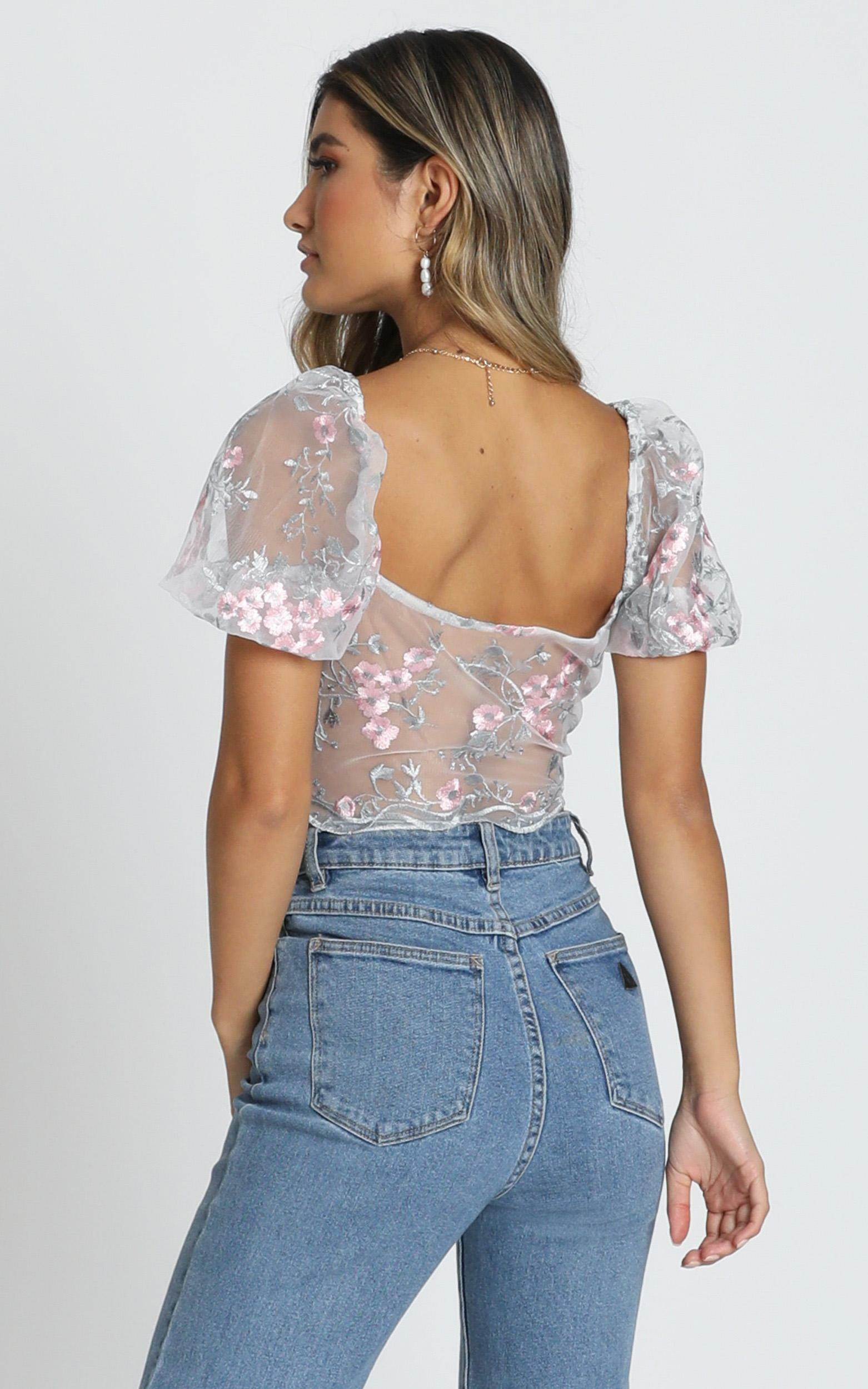 Keep Out Of It top in blush floral - 20 (XXXXL), Blush, hi-res image number null