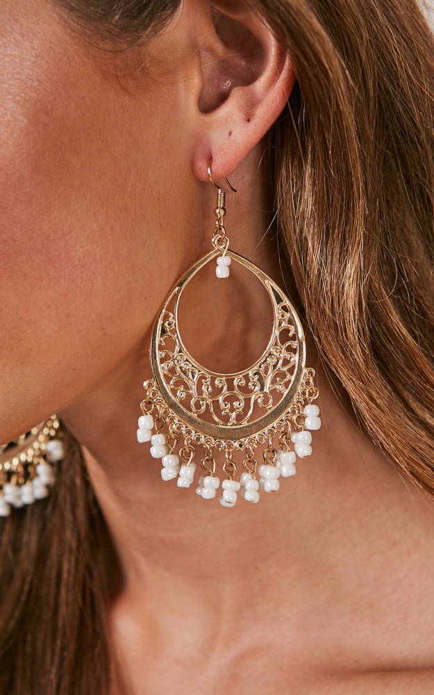 Unheard Of earrings in gold, , hi-res image number null