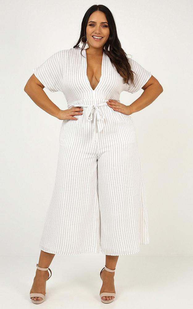 Future Feels Jumpsuit in white stripe Linen Look - 20 (XXXXL), White, hi-res image number null