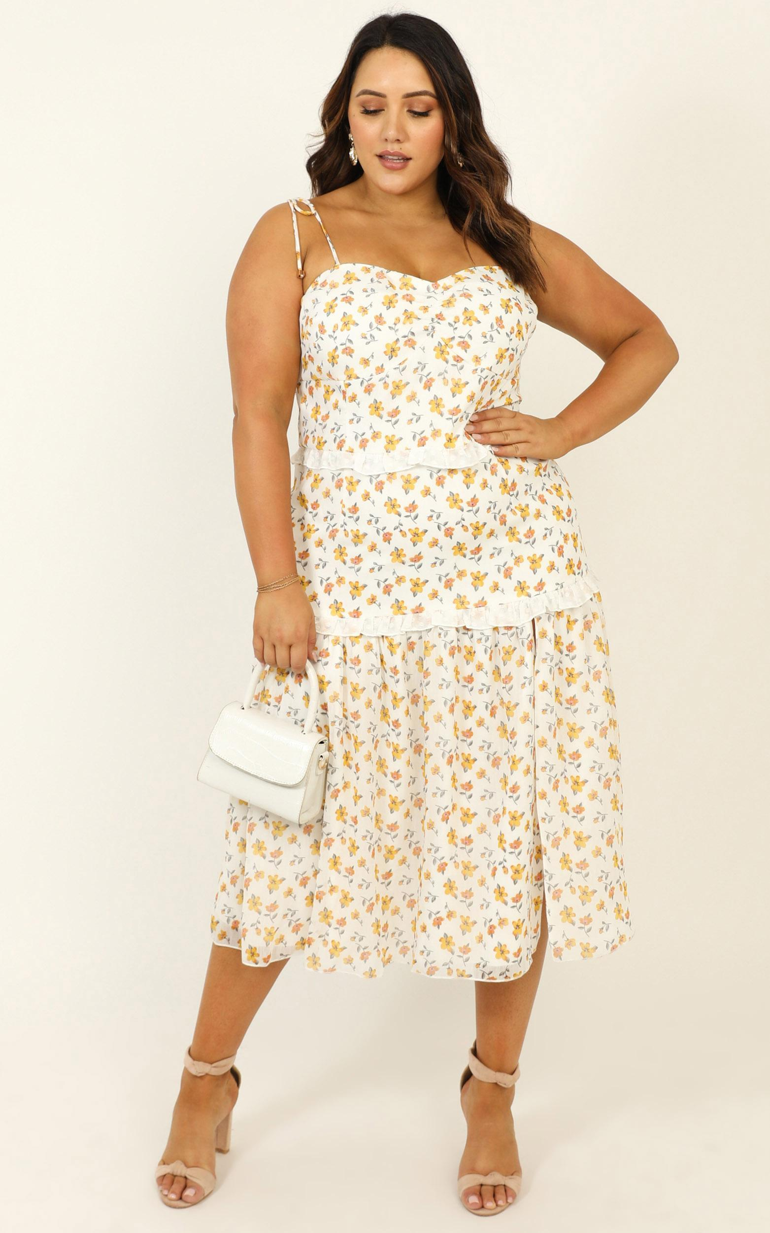 Didnt Know Dress in white floral - 20 (XXXXL), Yellow, hi-res image number null