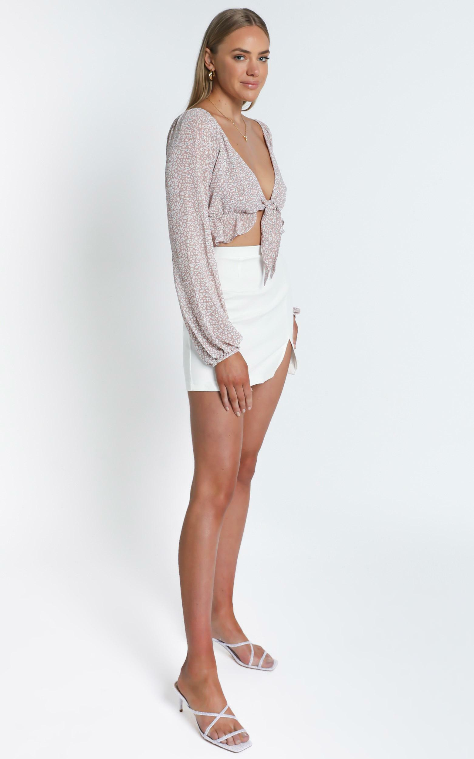 Maddison Top in Blush Floral - 6 (XS), Blush, hi-res image number null