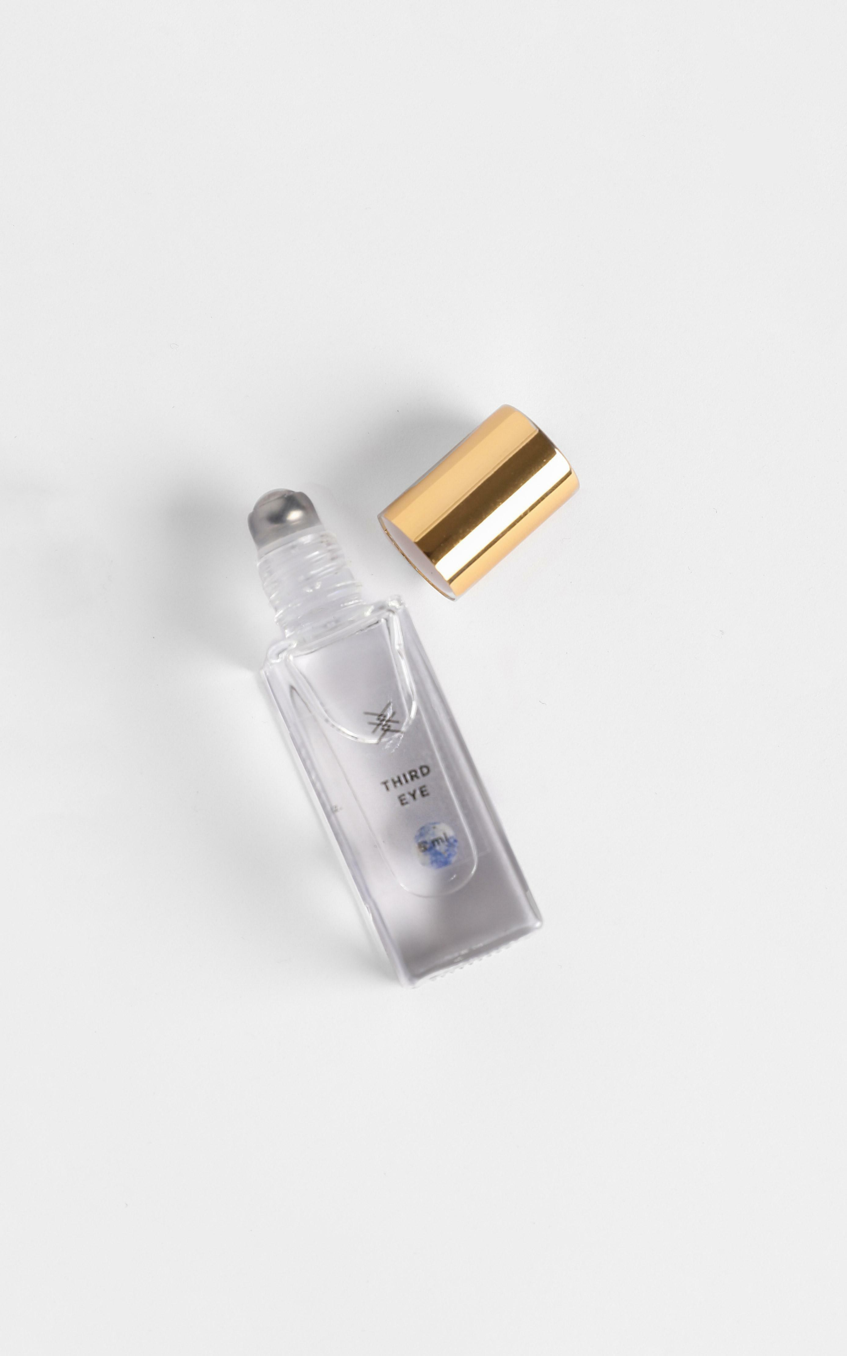 Baiser Beauty - Chakra Oil in Third Eye, CLR1, hi-res image number null