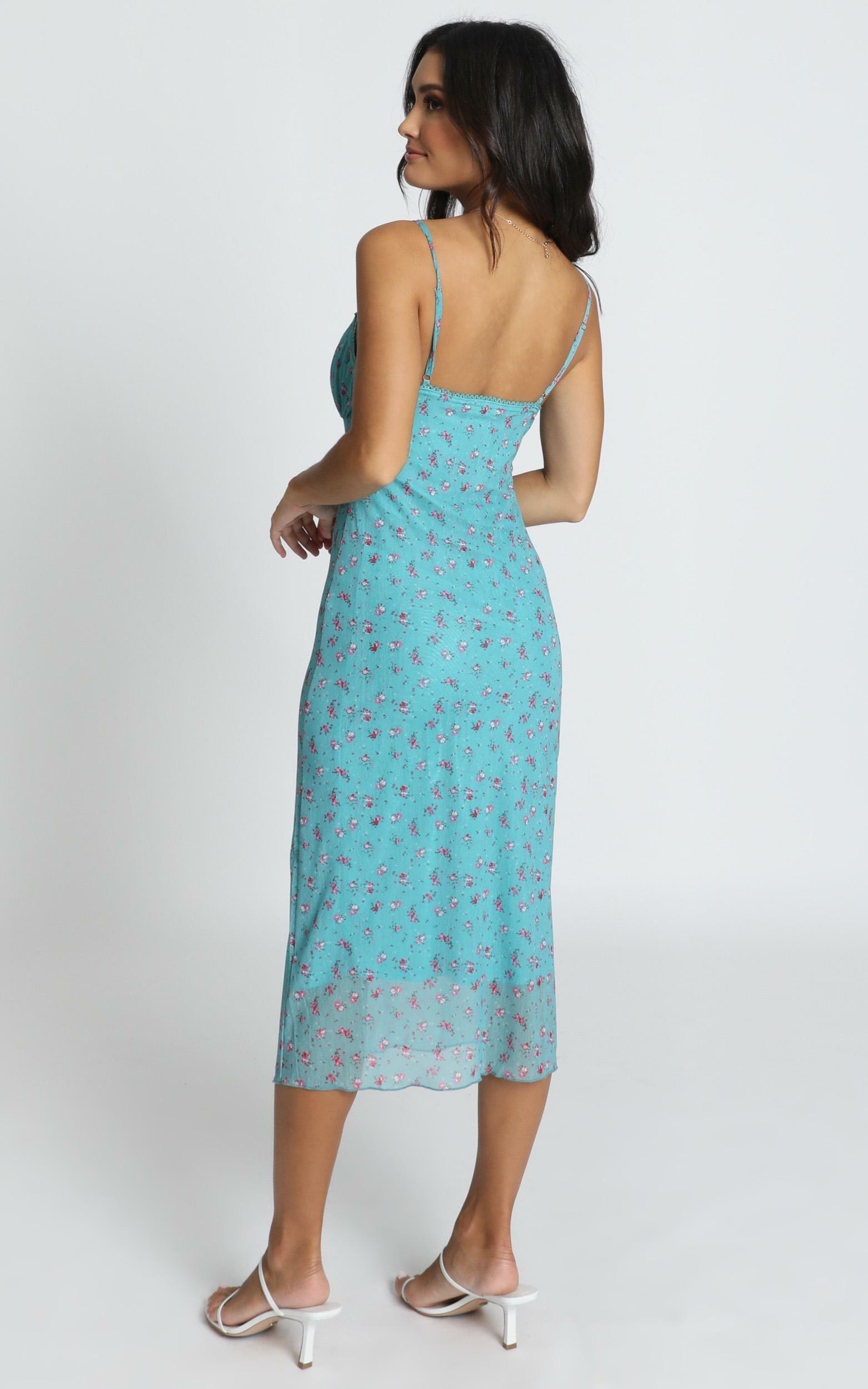 Floral Arrangement dress in blue floral - 16 (XXL), Blue, hi-res image number null