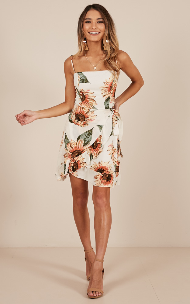 Sun Seeker dress in white floral - 12 (L), White, hi-res image number null