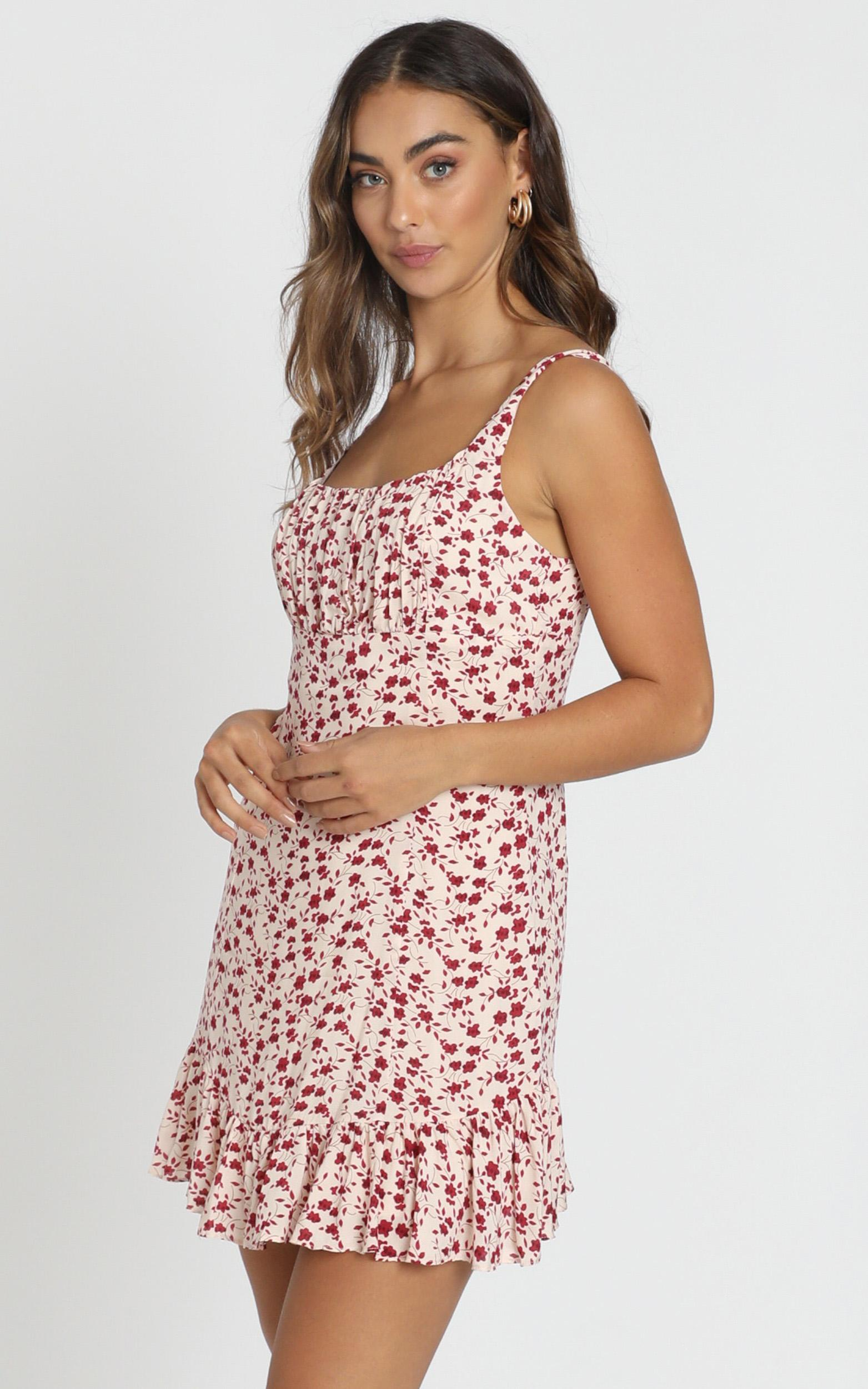 Farrah Gather Bust Mini Dress in red floral - 6 (XS), Red, hi-res image number null