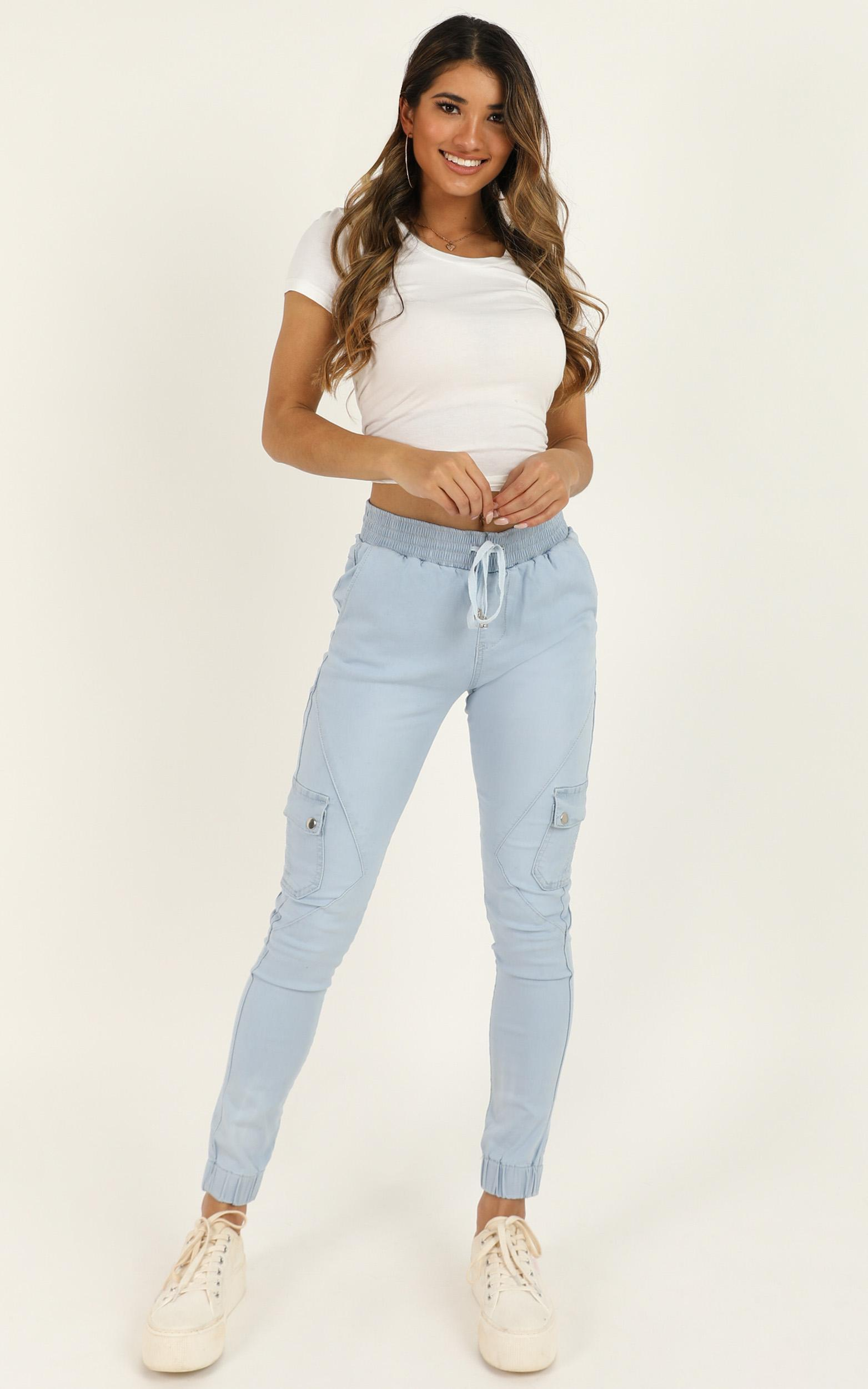 Claire Jeans In light wash denim - 14 (XL), BLU2, hi-res image number null