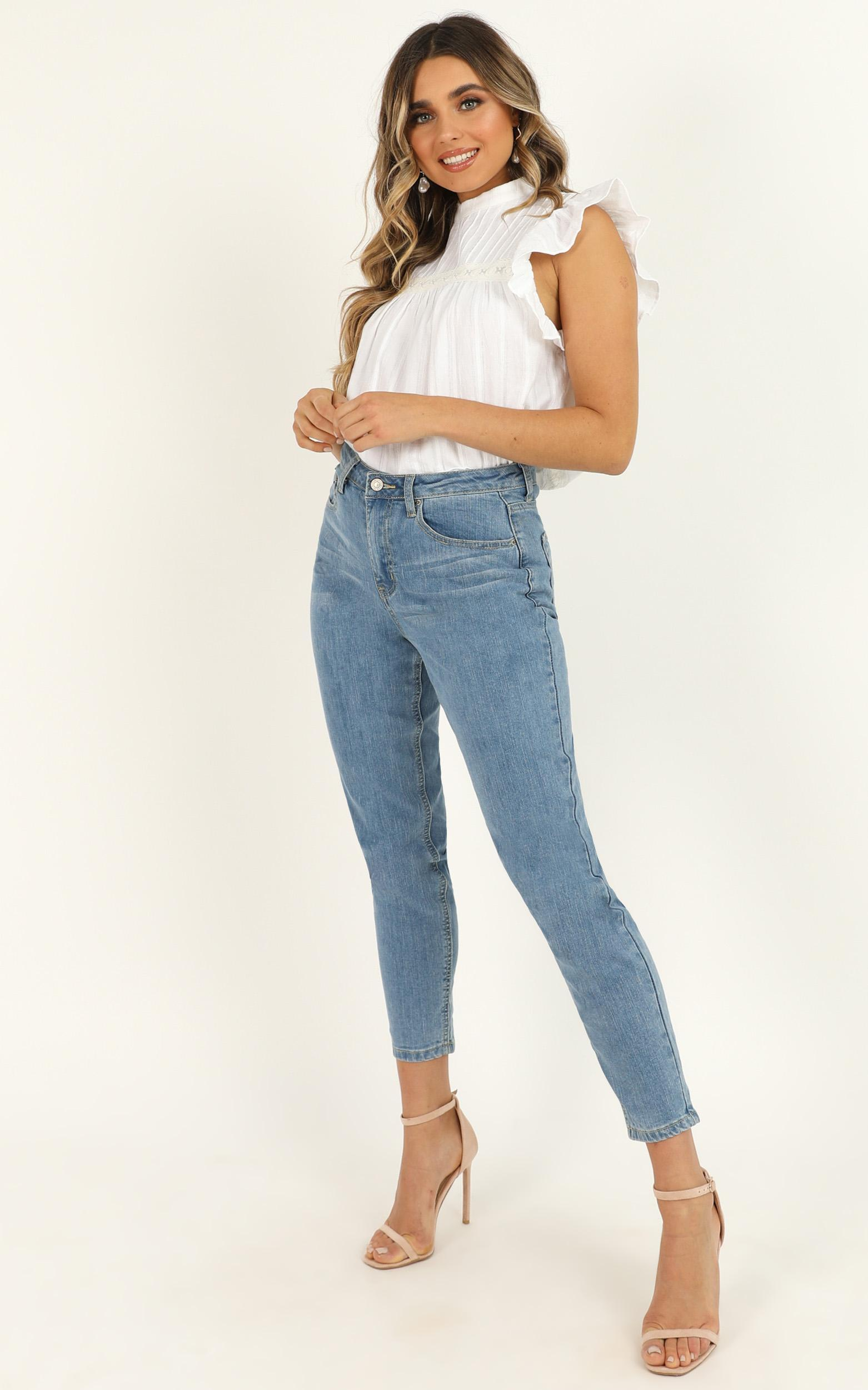 Like Its Yours Top in white linen look - 18 (XXXL), White, hi-res image number null