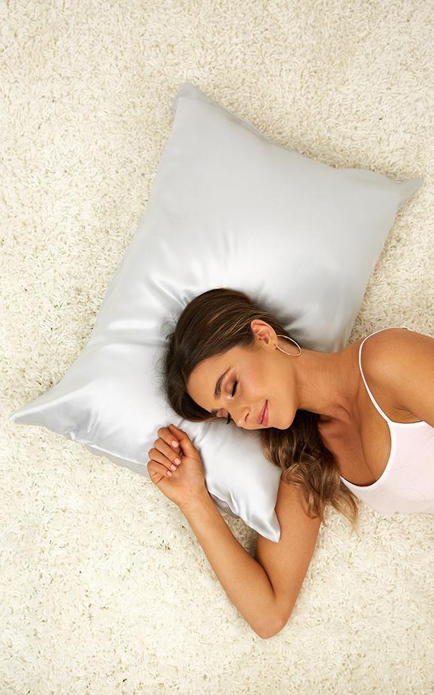 Genuine Silk pillowcase in grey, Grey, hi-res image number null
