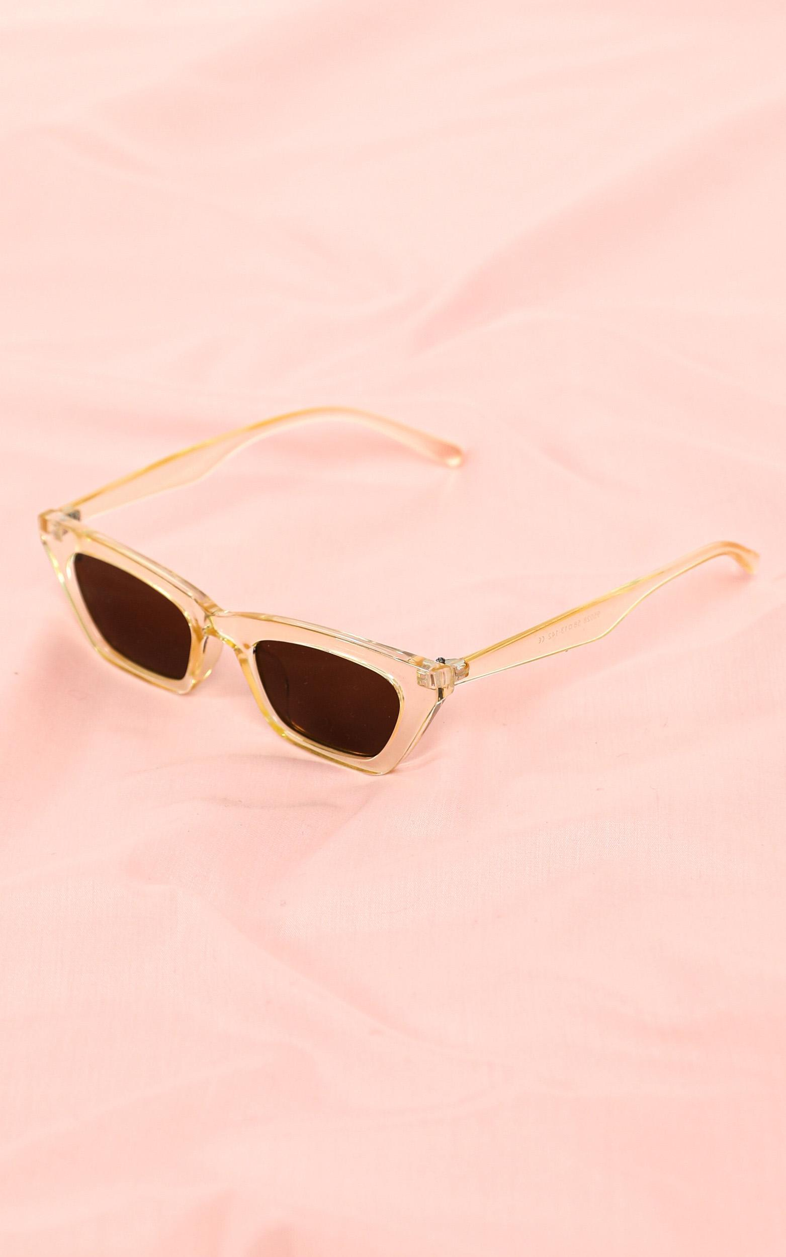 Go Unnoticed Sunglasses In Champagne, Beige, hi-res image number null