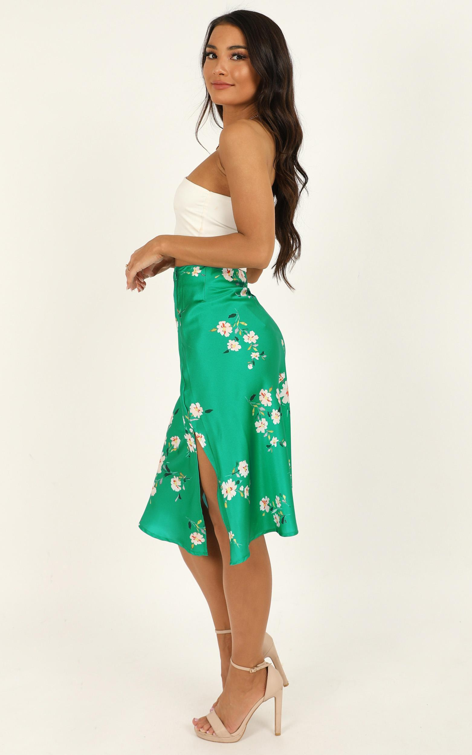 Met Your Match skirt in green floral - 16 (XXL), Green, hi-res image number null