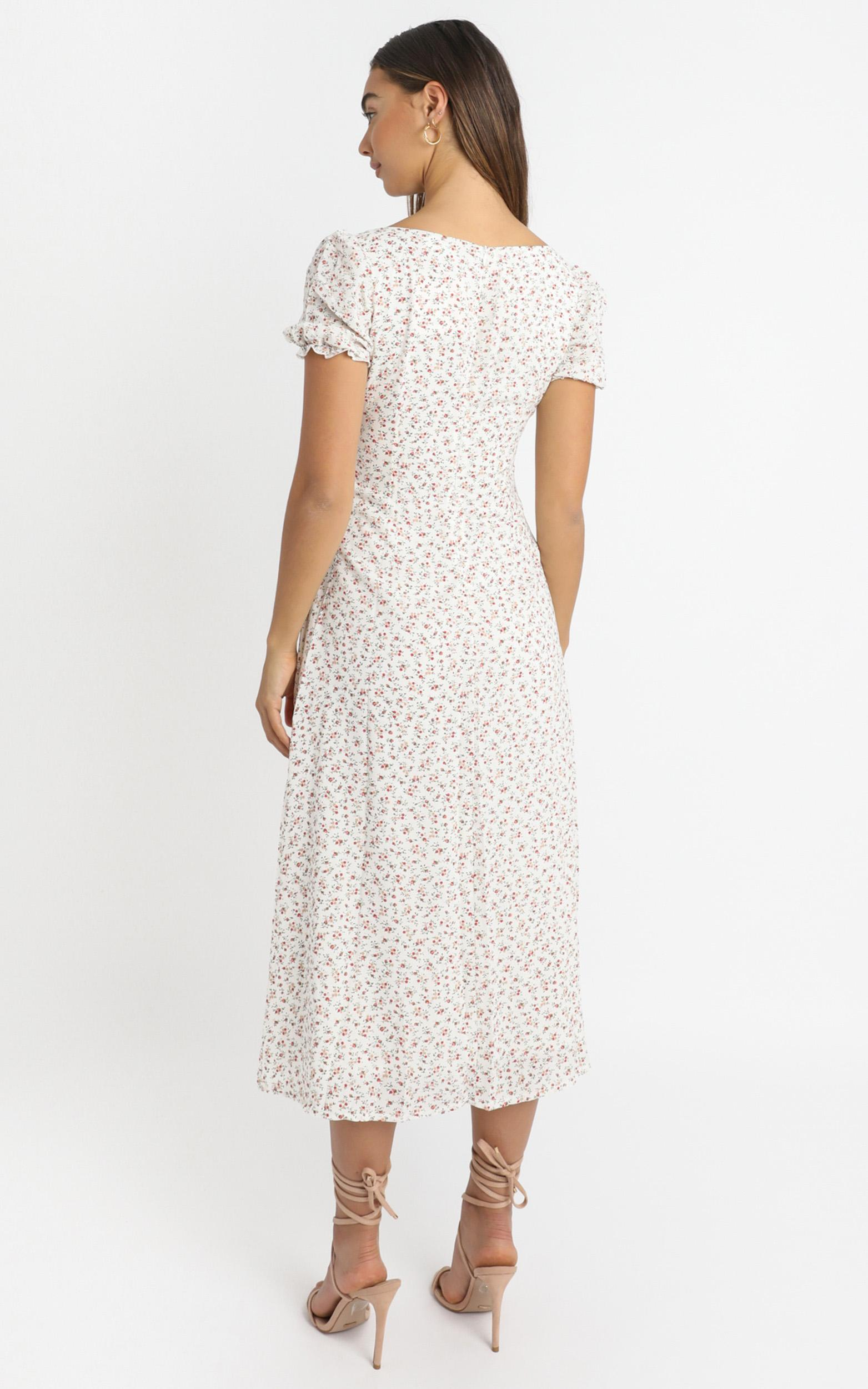 Skipping By dress in white floral - 14 (XL), White, hi-res image number null