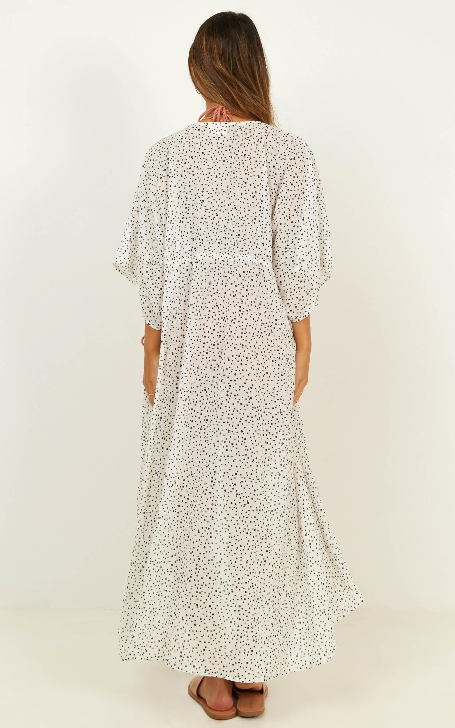 Time to move kimono in white spot - 20 (XXXXL), White, hi-res image number null