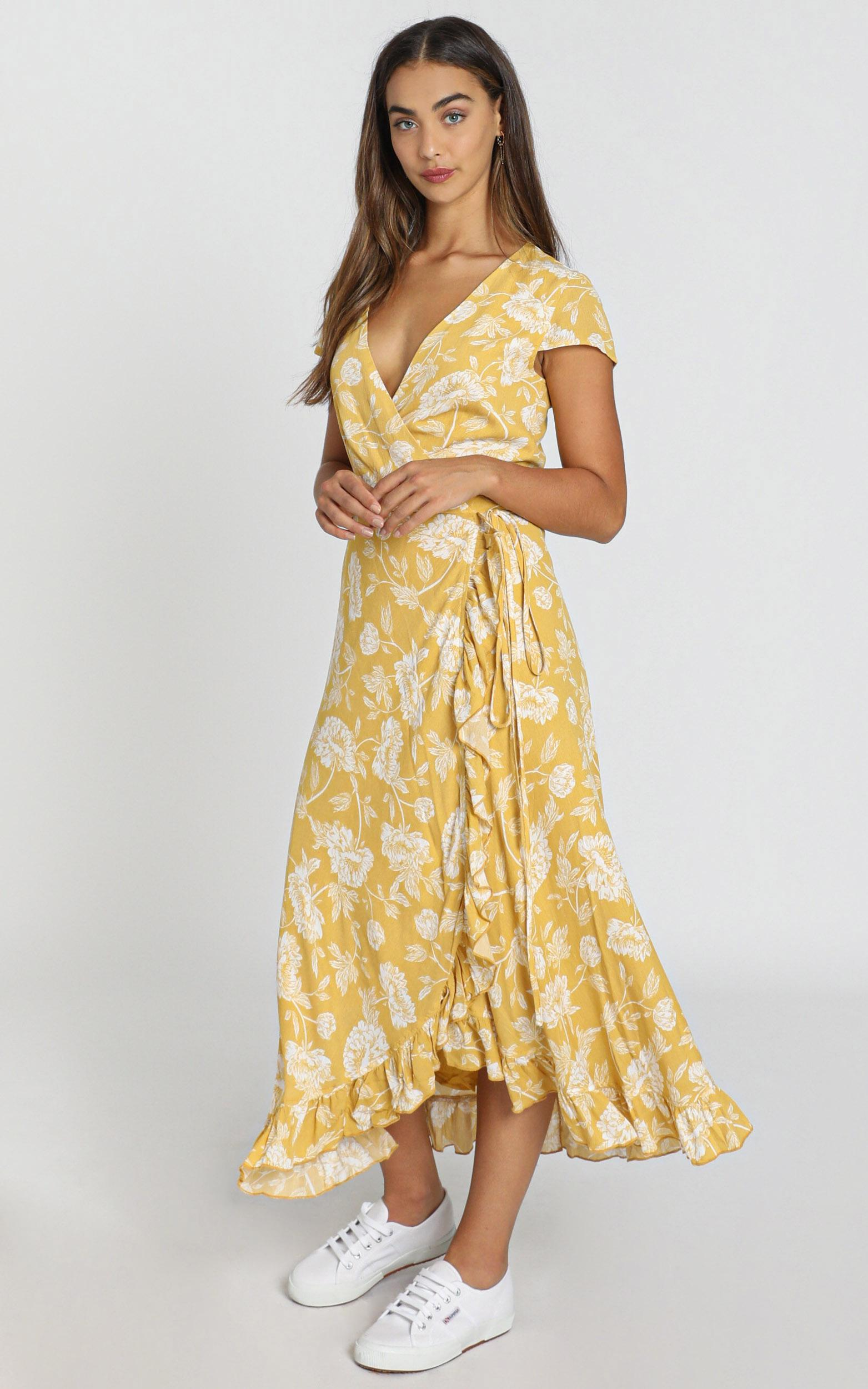 Tropical Scenes Dress in yellow floral - 20 (XXXXL), Yellow, hi-res image number null