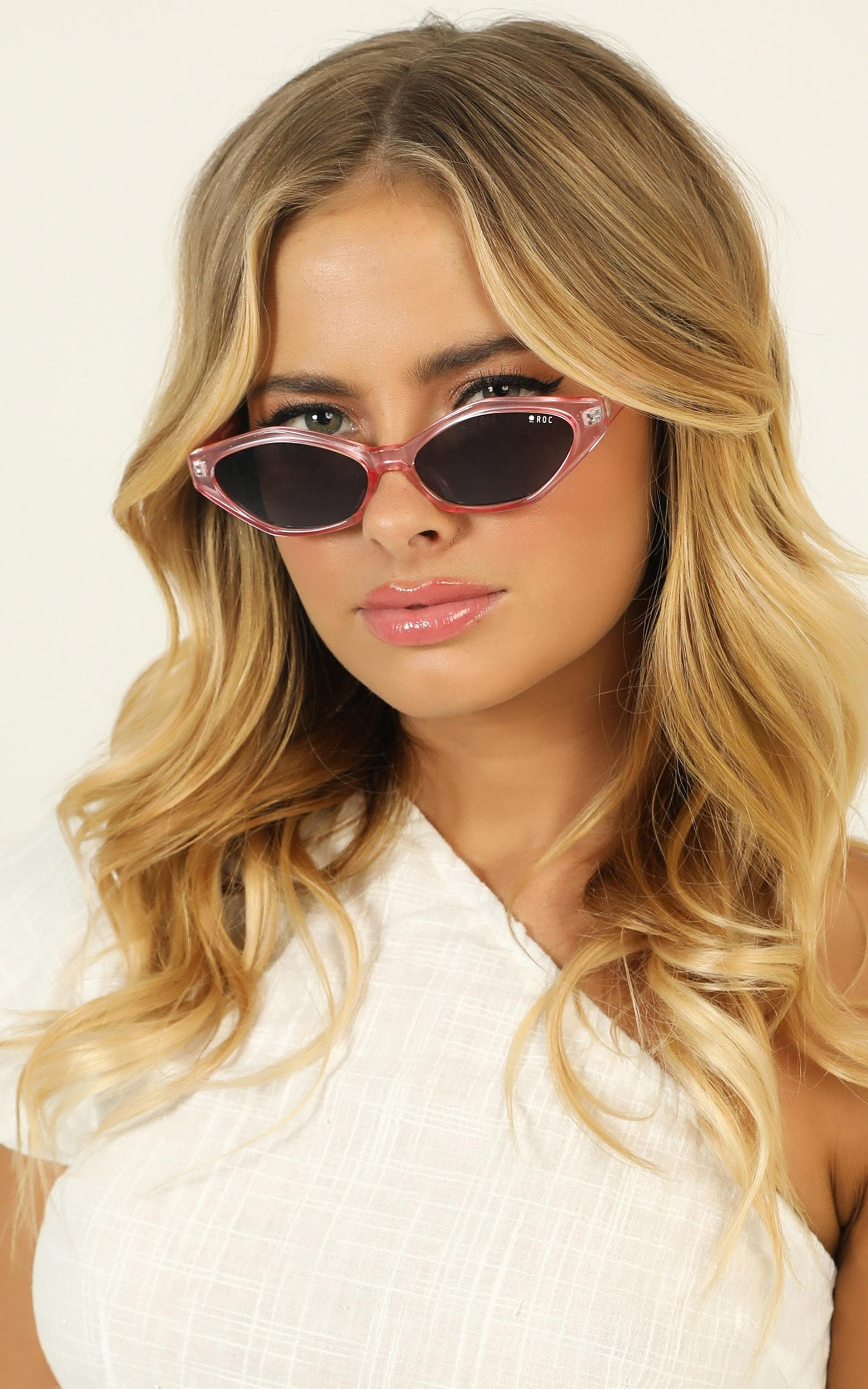 Roc - Let's Bumble Sunglasses In Metallic Pink, , hi-res image number null