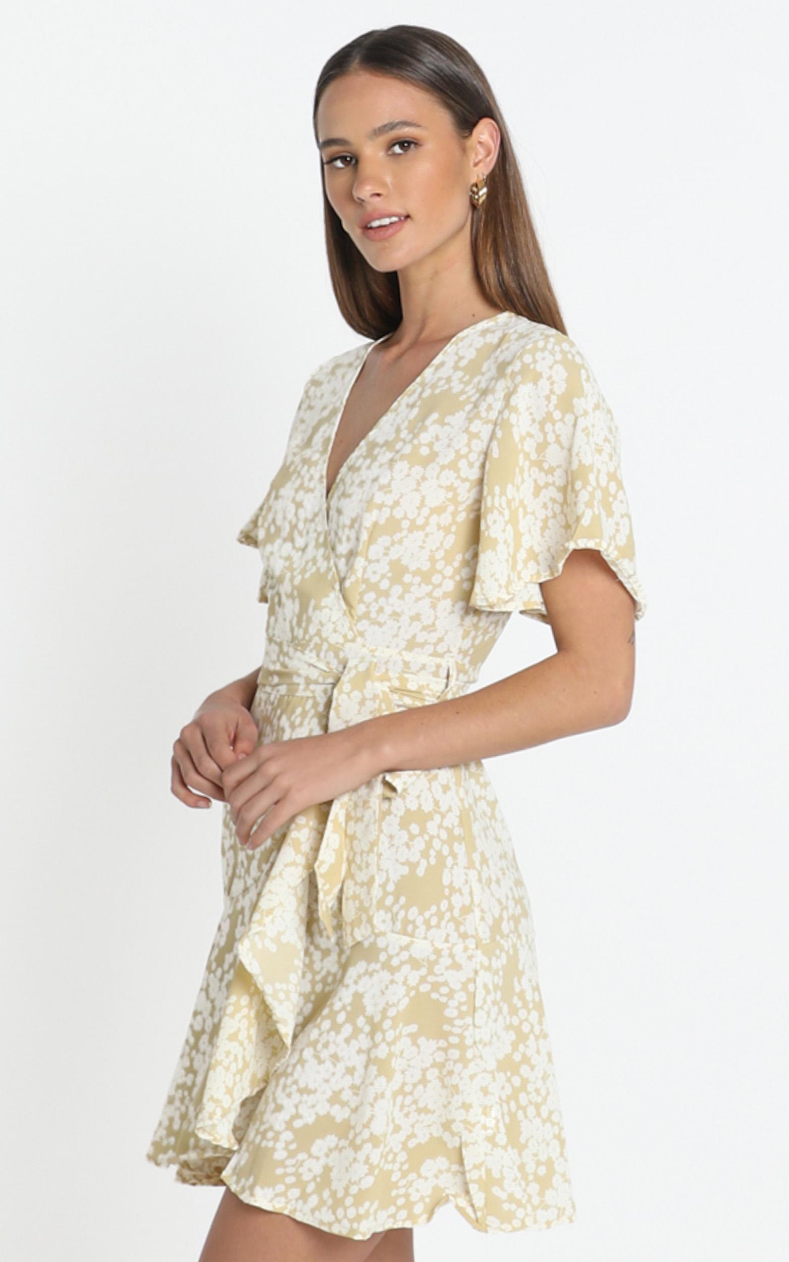 Aryana Dress in Beige Floral - 14 (XL), Beige, hi-res image number null