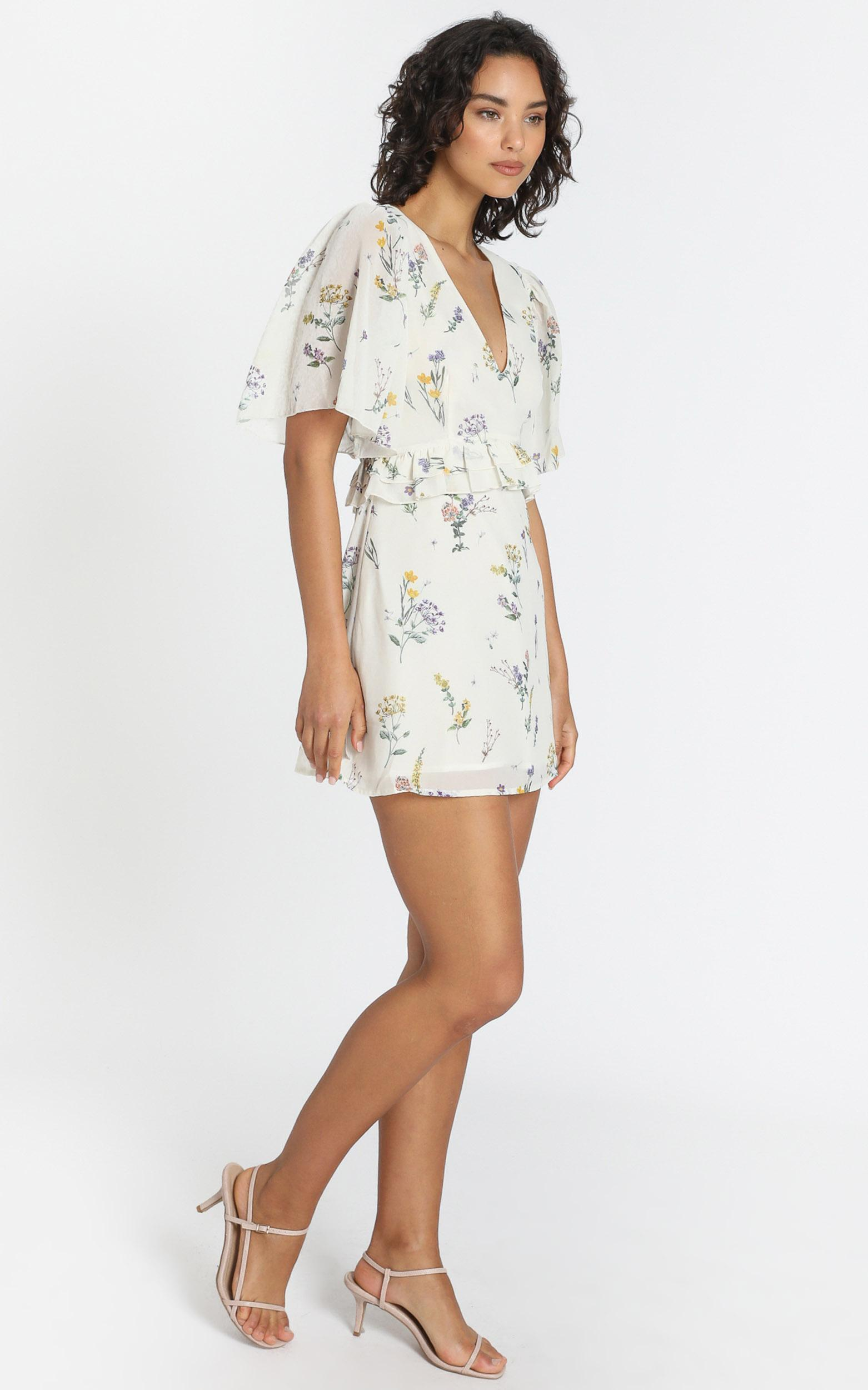Seeing Colours Dress in botanical floral - 4 (XXS), Cream, hi-res image number null