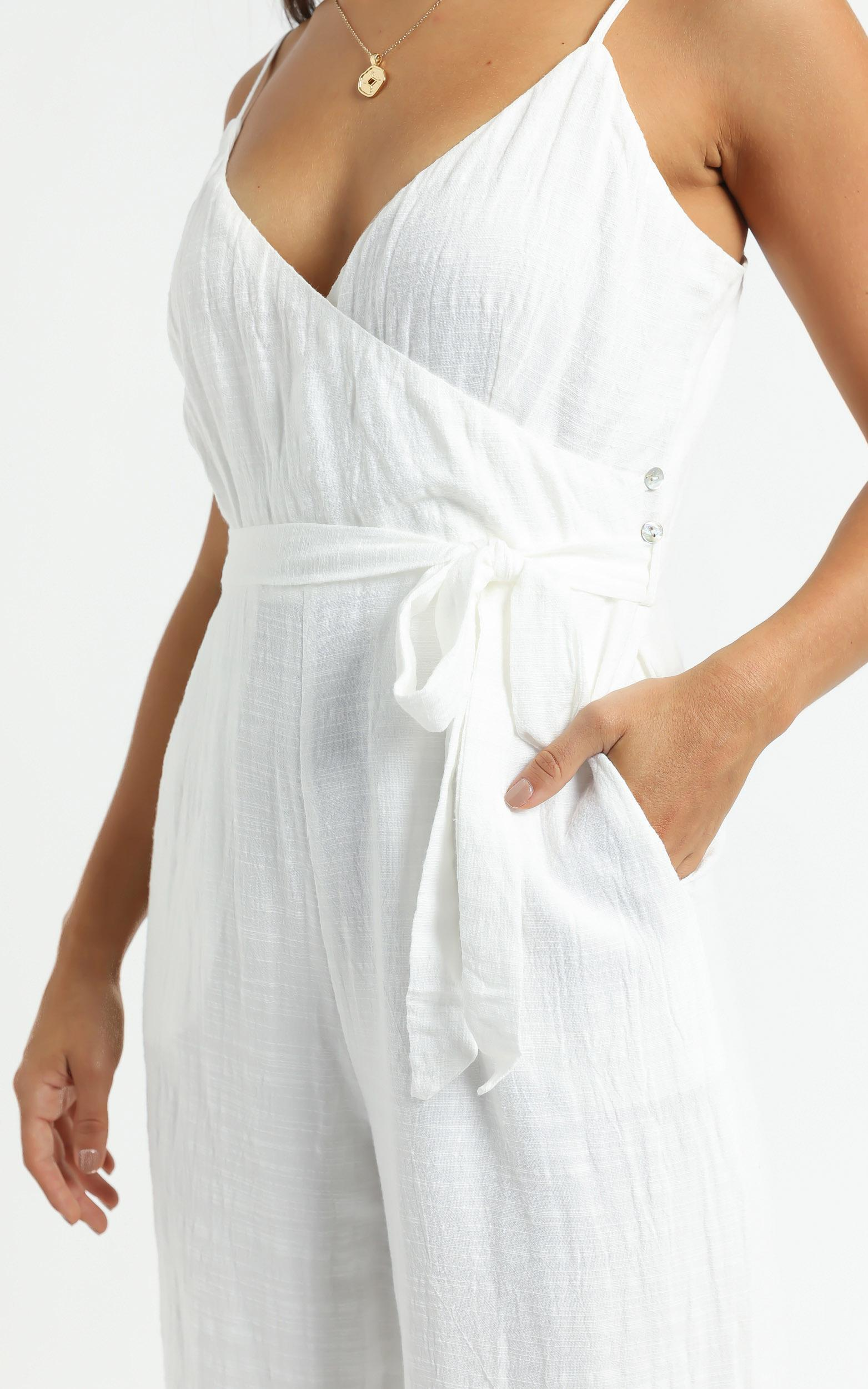 Farah Jumpsuit in White - 6 (XS), White, hi-res image number null